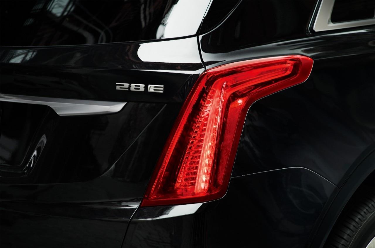 6 Photos 2018 Cadillac Xt5 28e Mild Hybrid