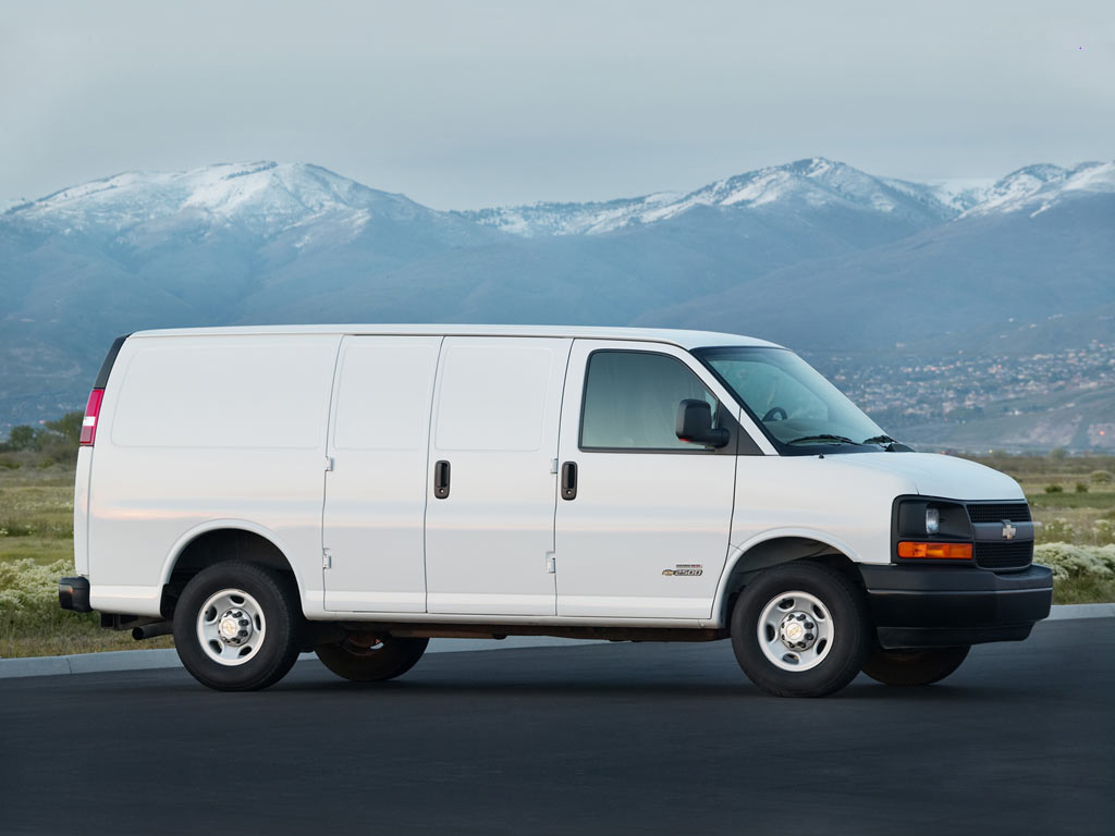 10 Photos 2018 Chevrolet Express
