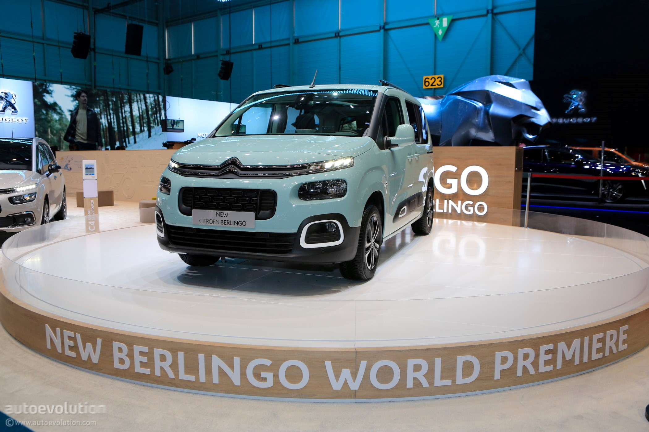2018 Citroen Berlingo Multispace Joins Facelifted C4 Cactus On Stage ...