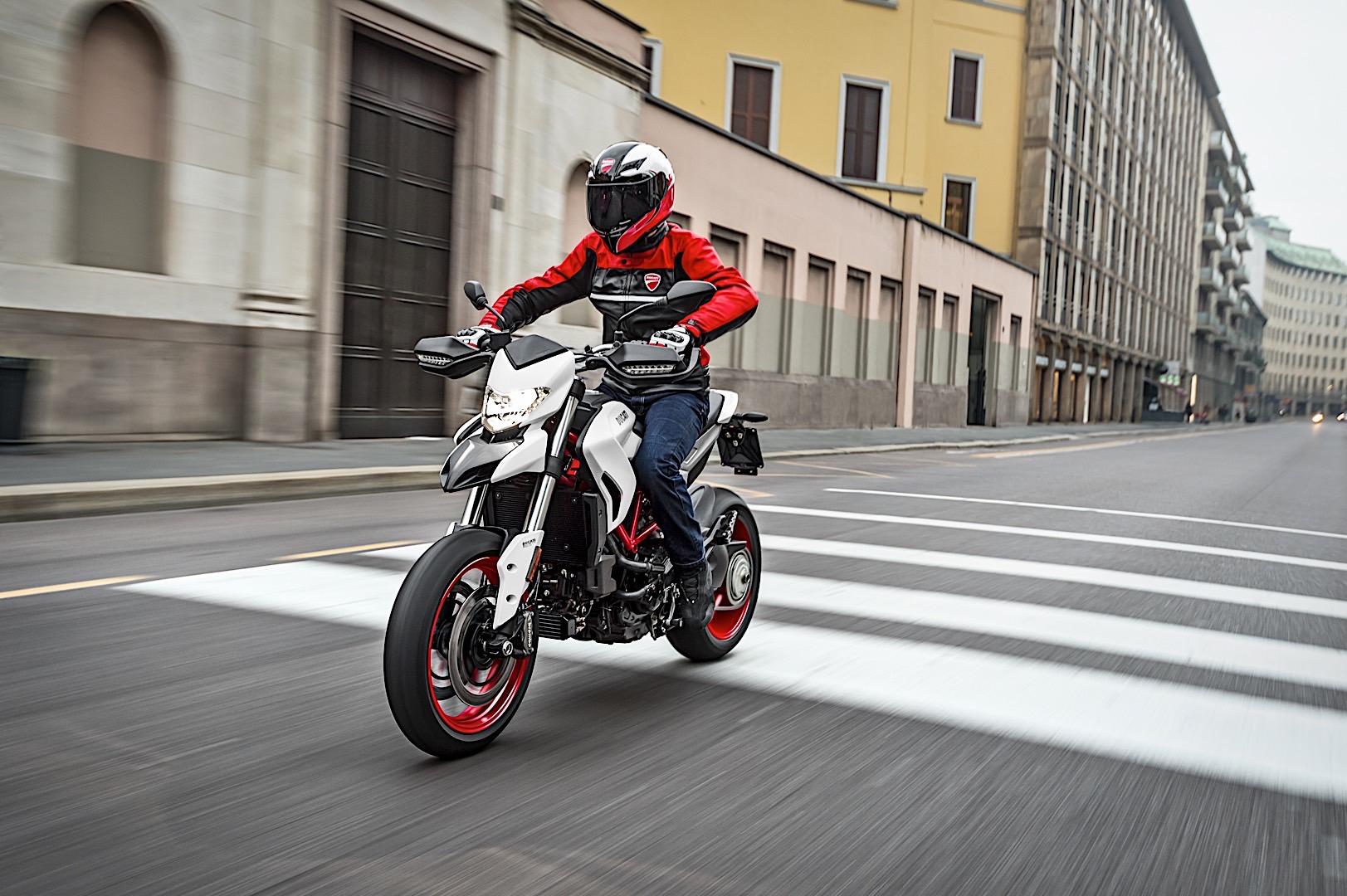 2018 Ducati Hypermotard 939 Gets a Fresh Look - autoevolution
