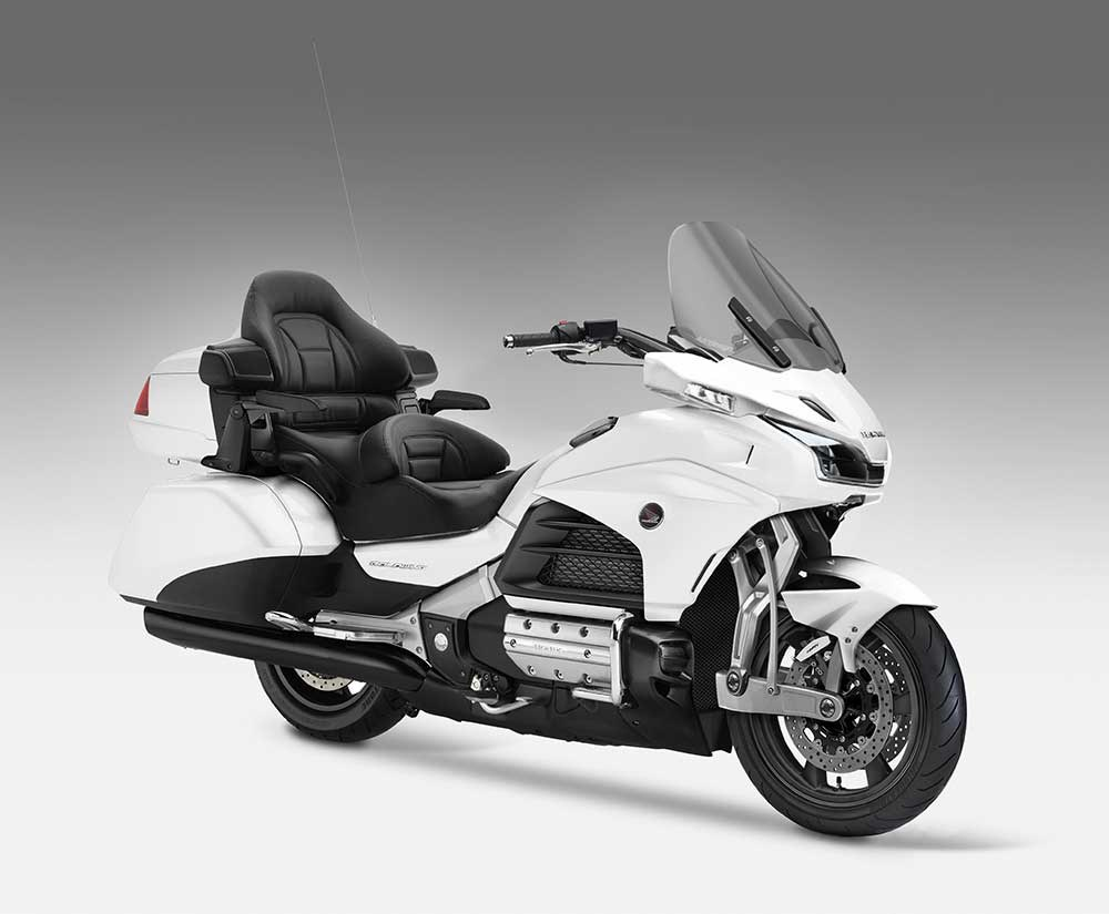 2018 honda gold wing behemoth leaks with new front suspension autoevolution. Black Bedroom Furniture Sets. Home Design Ideas