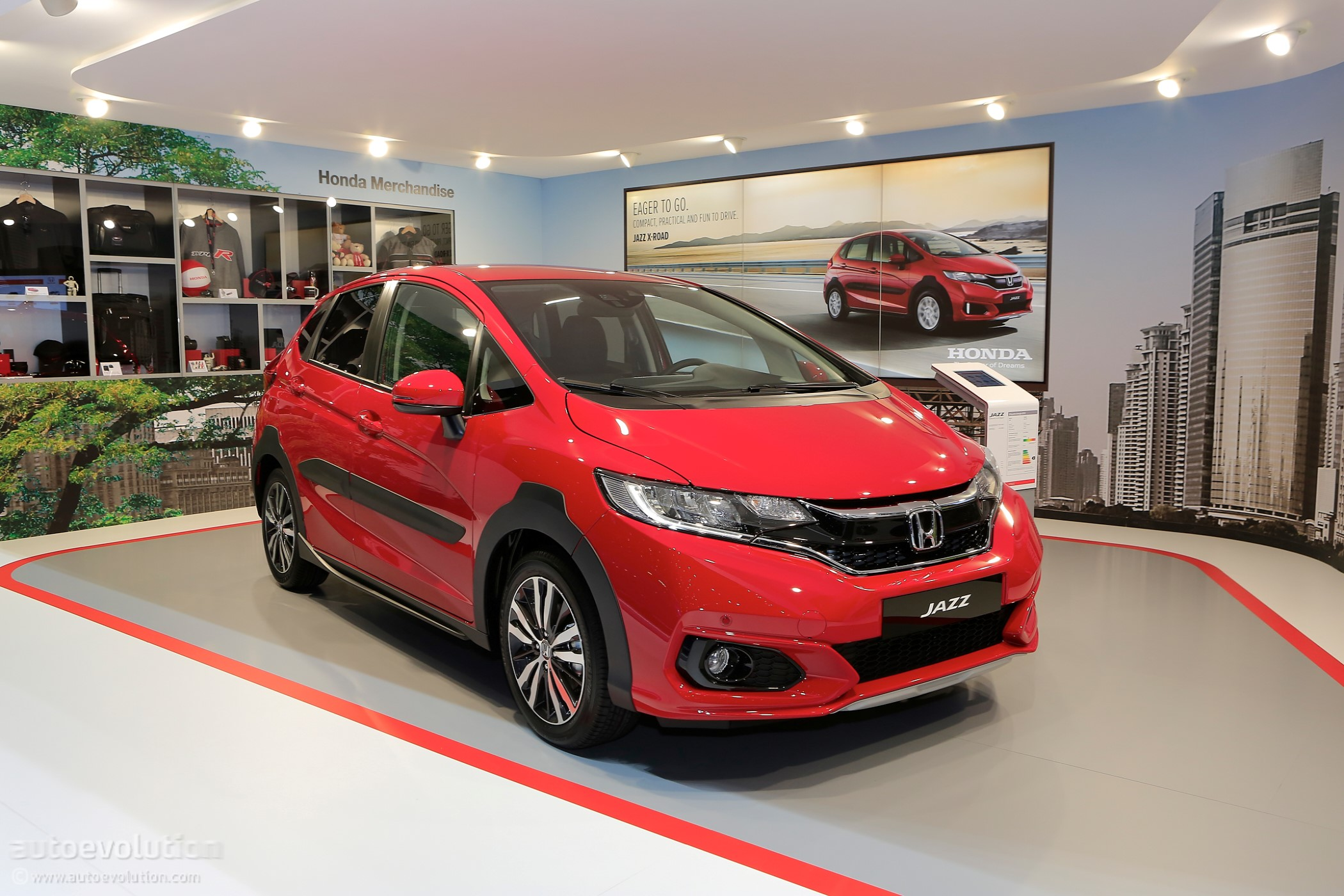 2018 Honda Jazz Gets Its Rather Disappointing X Road Suit On For
