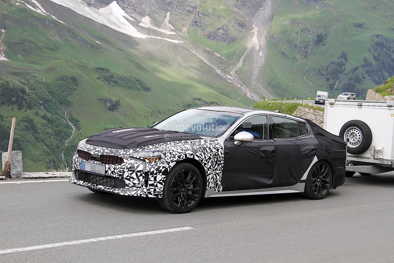 2018 Kia Gt Spied Towing Cargo Trailer In The Alps Autoevolution Front Hitch Sorento 13 Photos