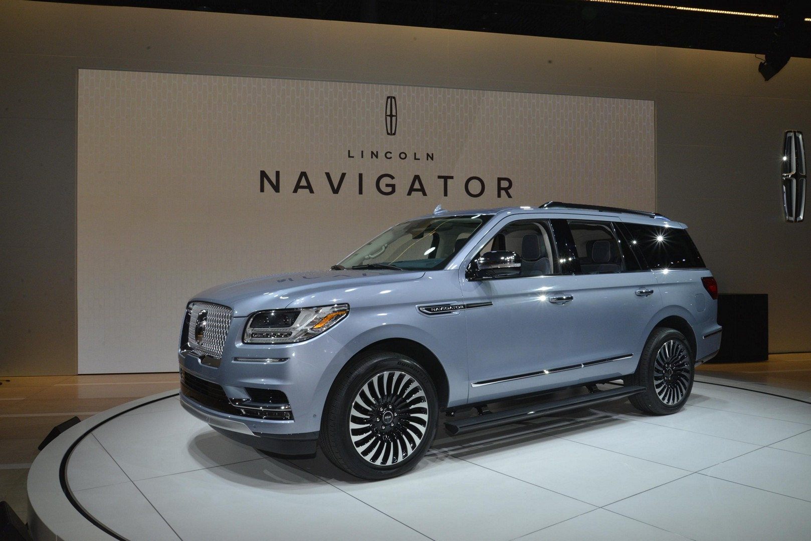 Which Car Battery Is Best For  Lincoln Navigator