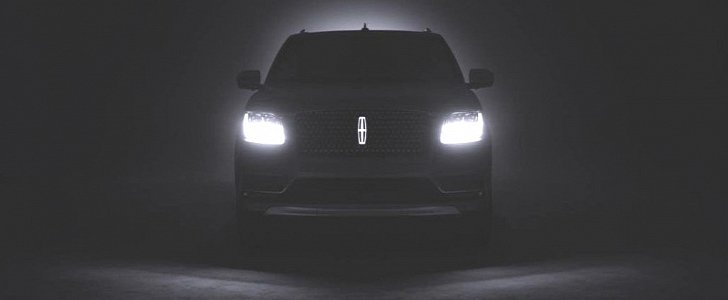 2018 Lincoln Navigator Teased, Features Illuminated Emblem ...