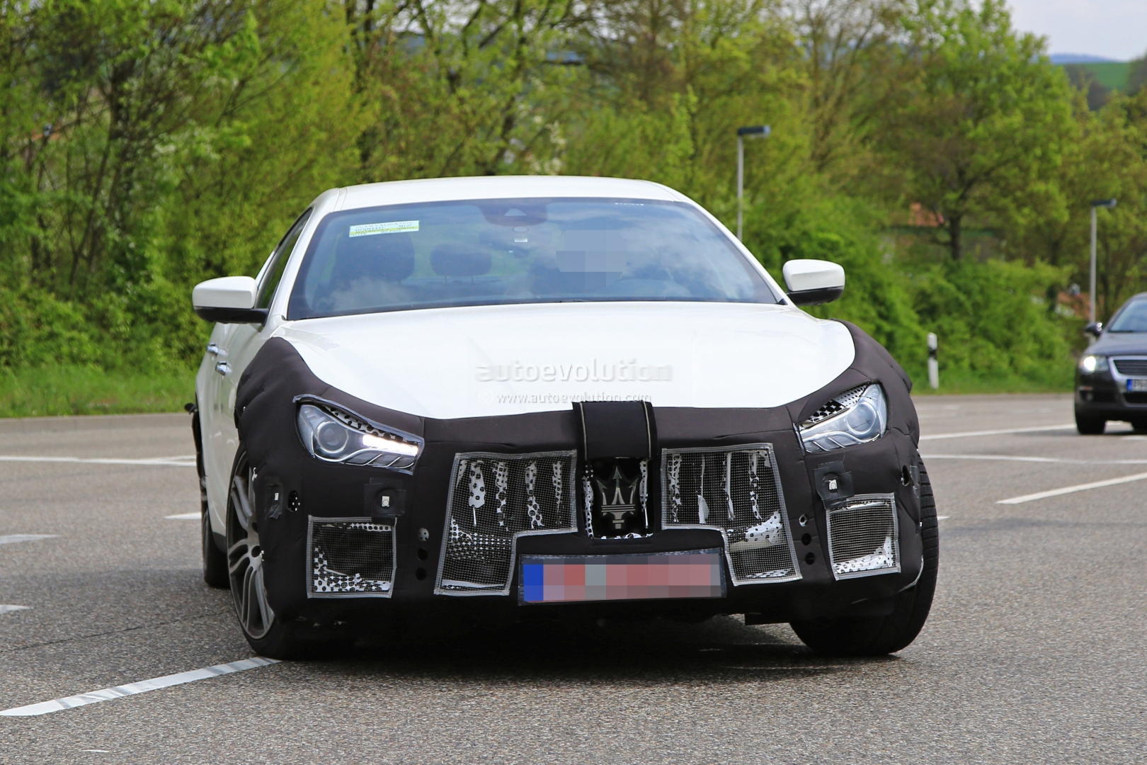 2018 maserati ghibli facelift spied up close is this the