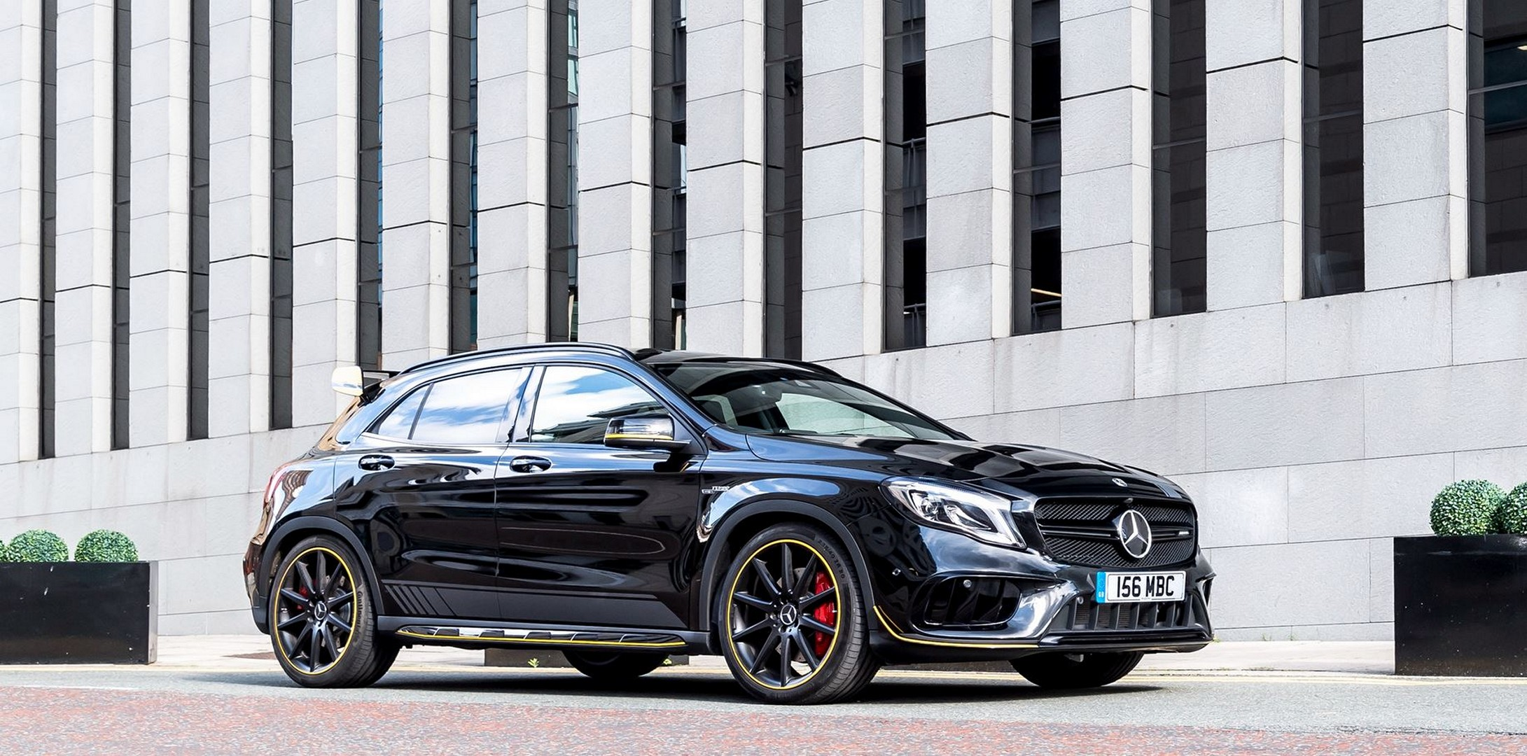 2018 Mercedes-AMG GLA 45 Yellow Night Edition Looks Like ...