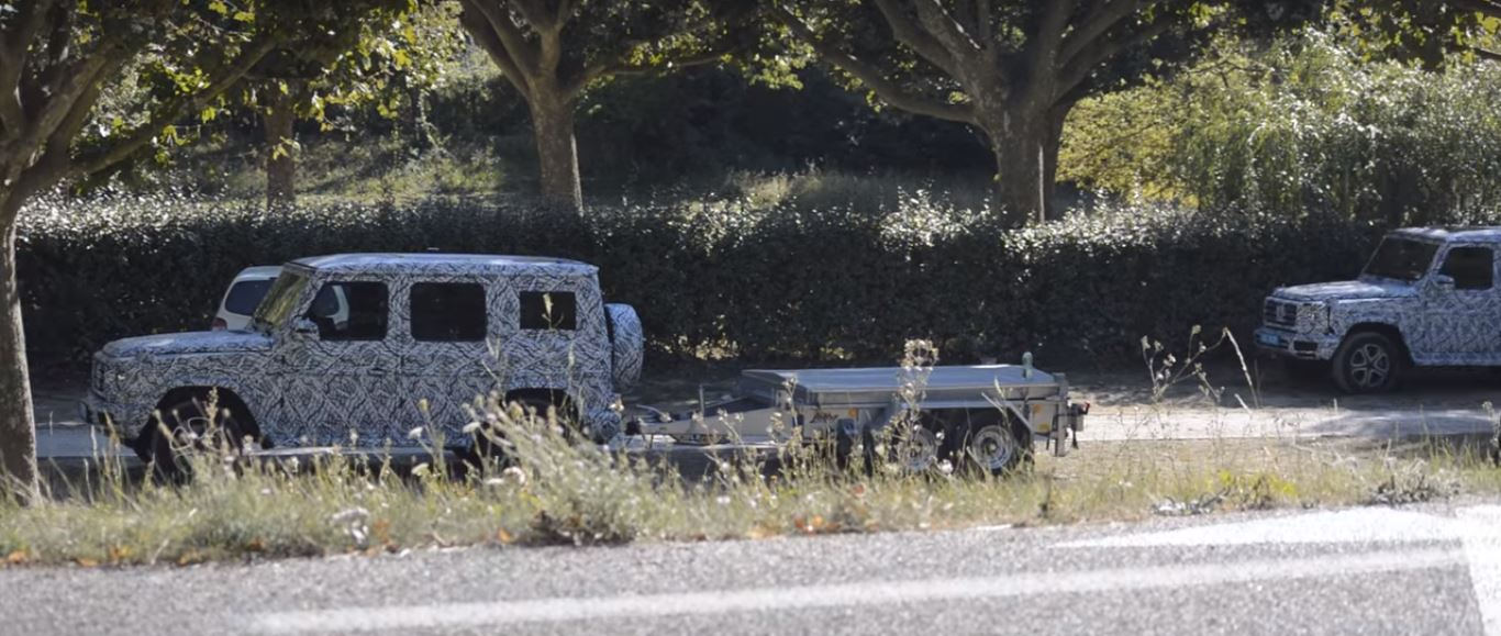 2018 mercedes benz g class prototypes spied testing towing. Black Bedroom Furniture Sets. Home Design Ideas