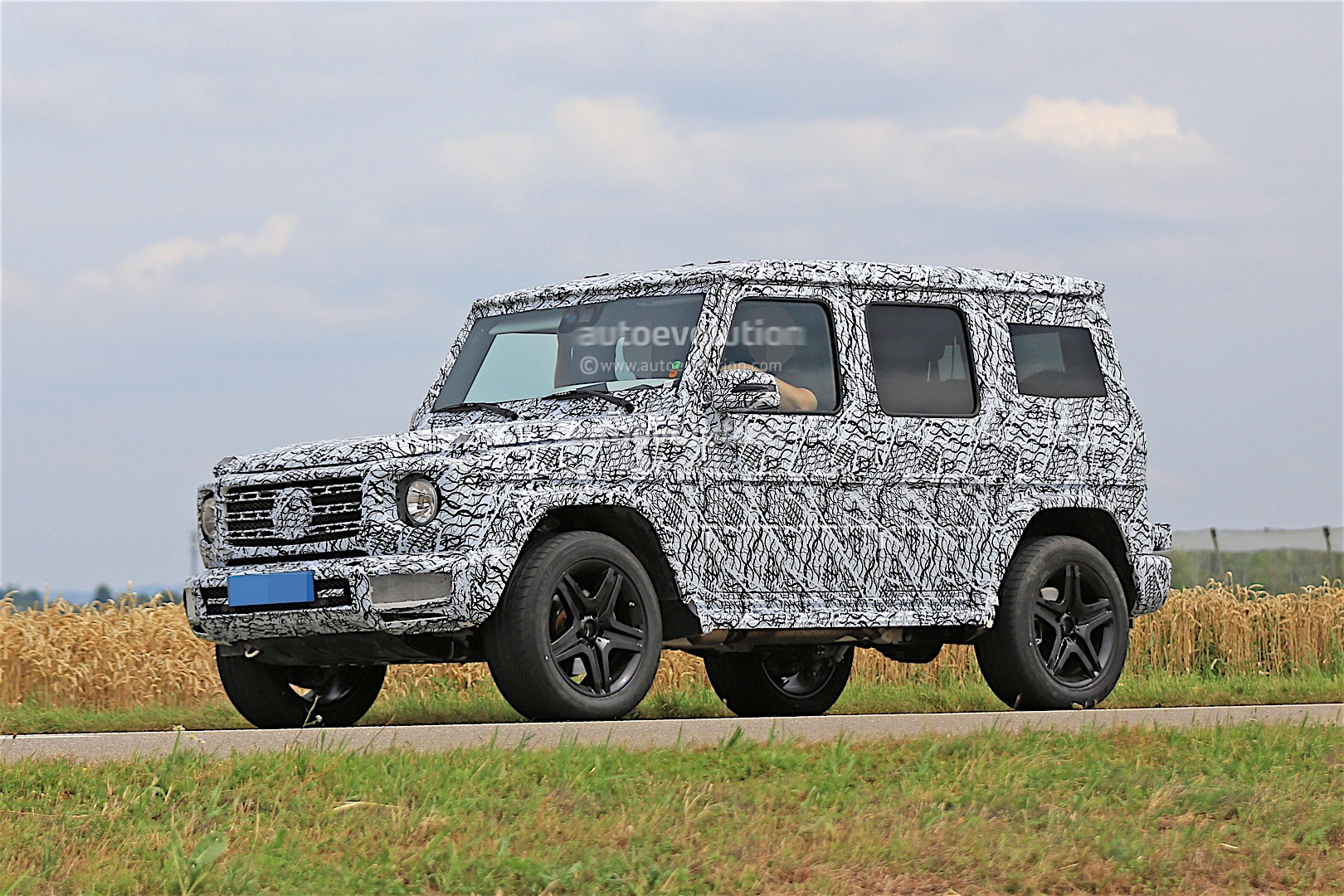 2018 mercedes benz g class rumored to get independent air suspension autoevolution. Black Bedroom Furniture Sets. Home Design Ideas