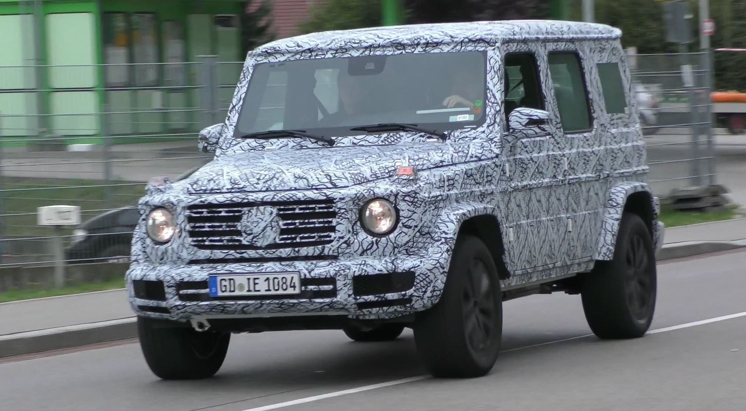 2018 mercedes g class prototype spied on the road sounds like a v8 autoevolution. Black Bedroom Furniture Sets. Home Design Ideas