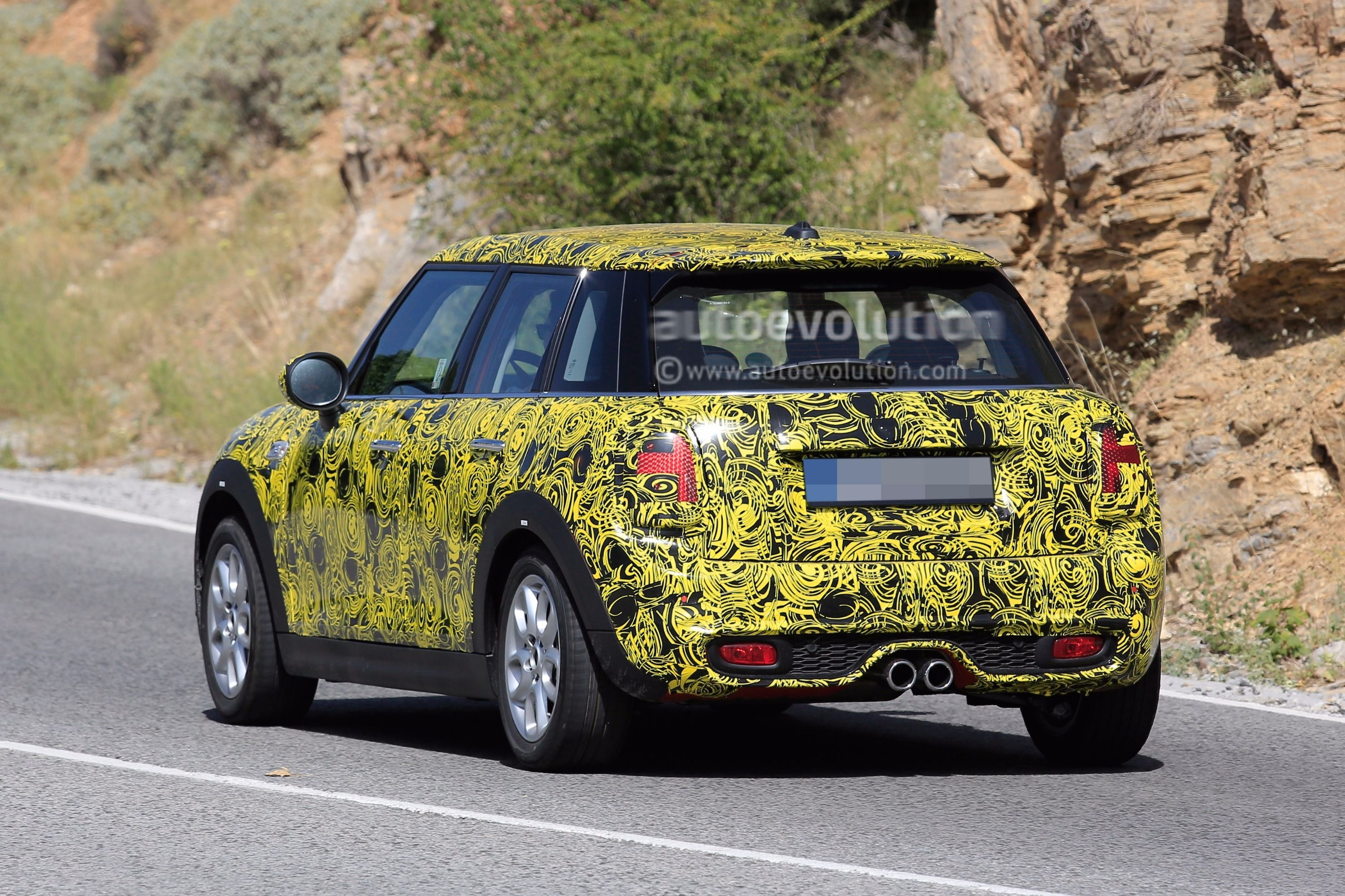 11 photos & 2018 MINI 5-Door Hatch Facelift Spied With Redesigned Taillights ...