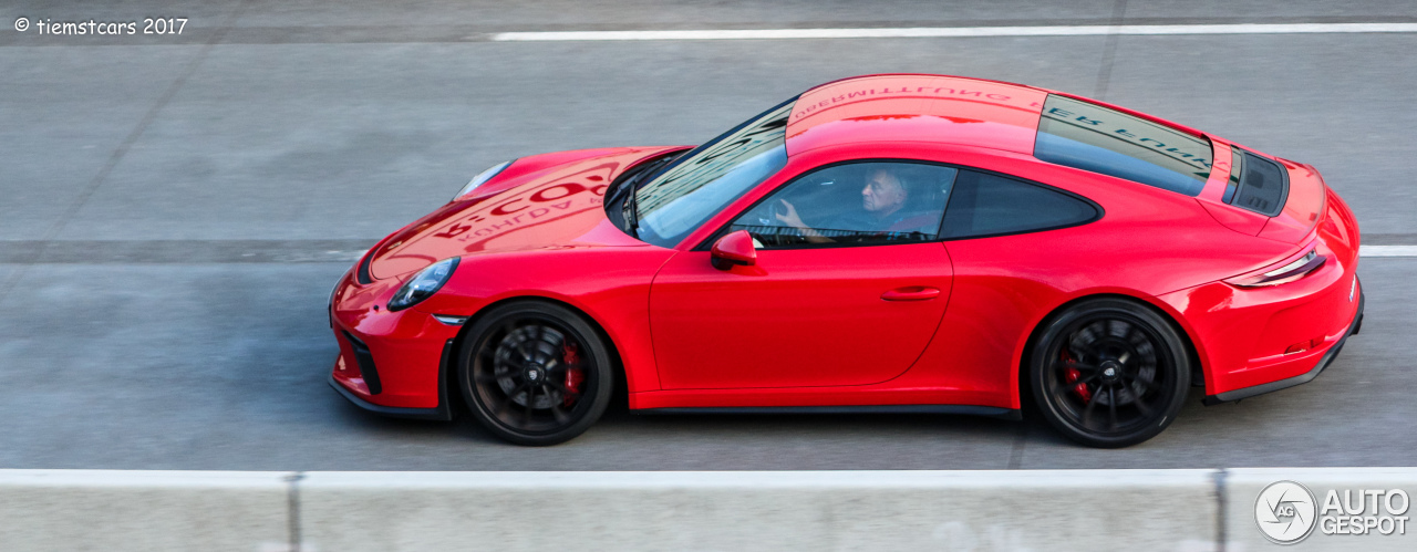 2018 Porsche 911 Gt3 Touring Package Causes A Stir In German Traffic