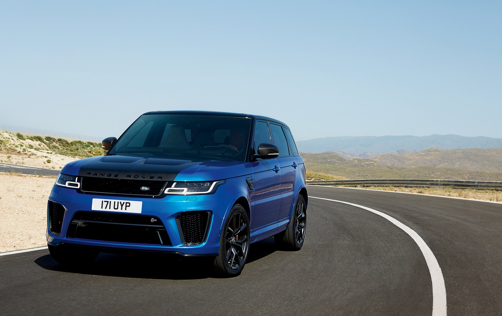 2018 range rover sport svr facelift has carbon hood. Black Bedroom Furniture Sets. Home Design Ideas