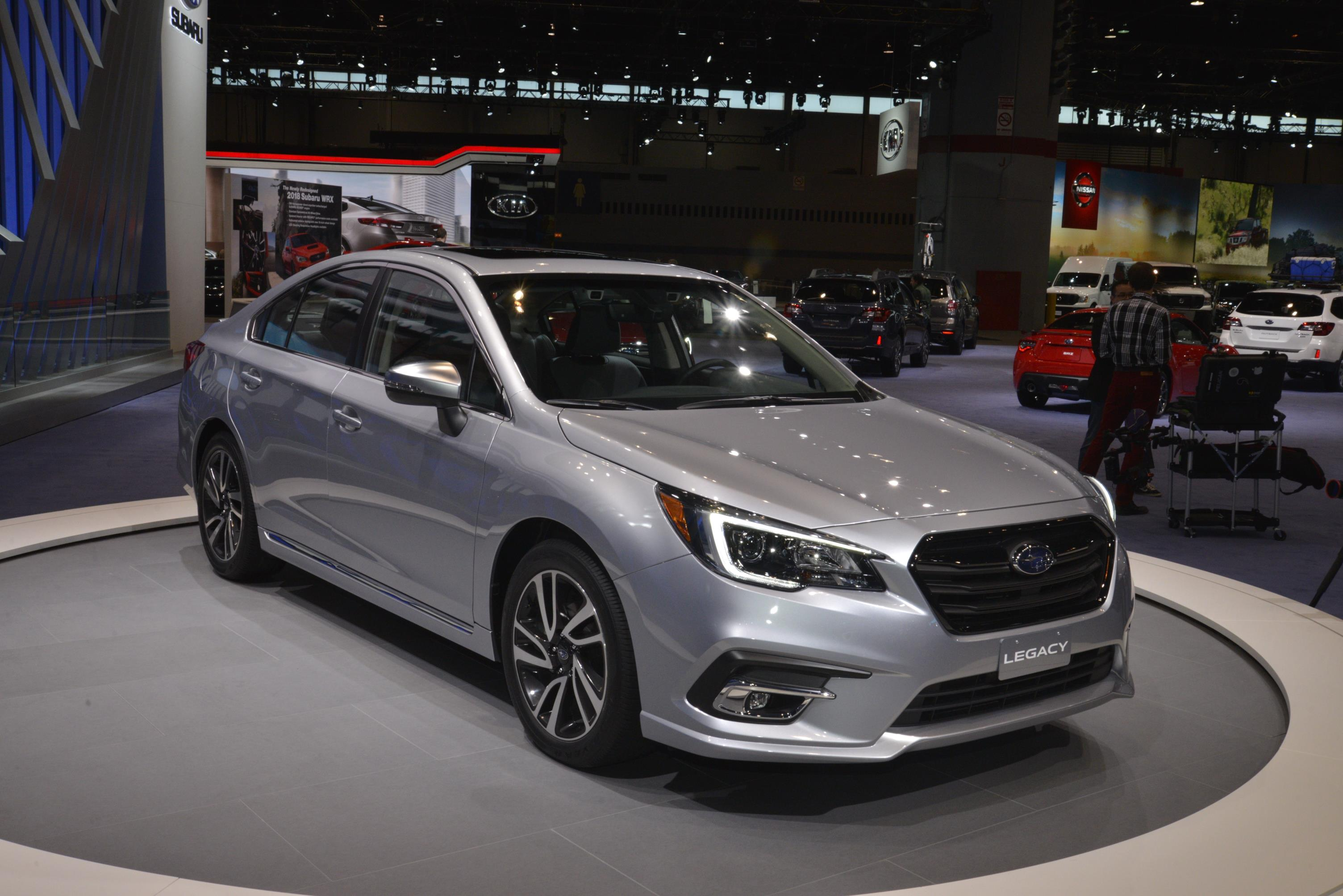 Subaru Neuheiten 2018 >> 2018 Subaru Legacy Has A Hint Of Impreza In Chicago Autoevolution