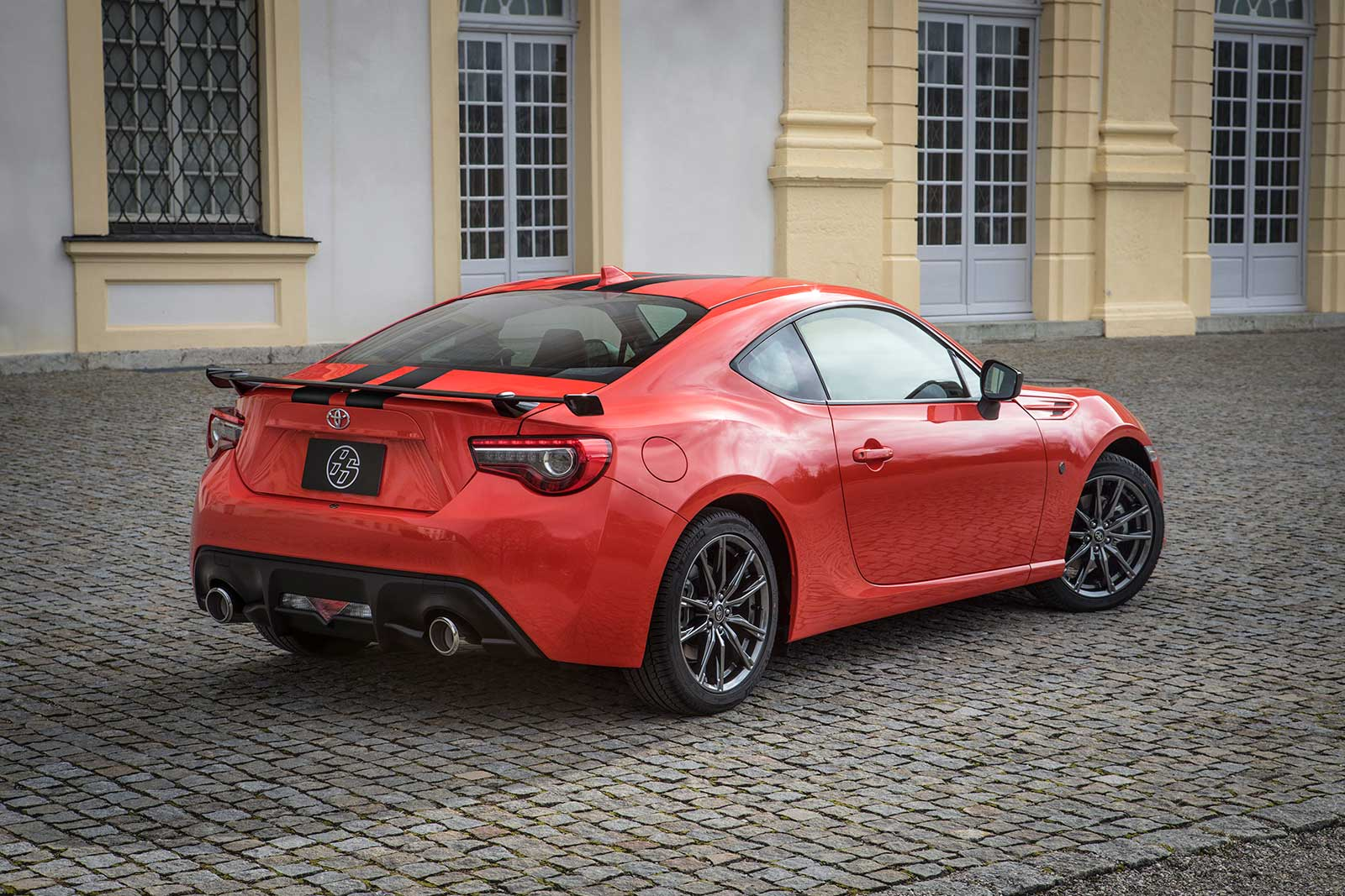 2018 toyota 86 adds comfort focused gt trim level autoevolution. Black Bedroom Furniture Sets. Home Design Ideas