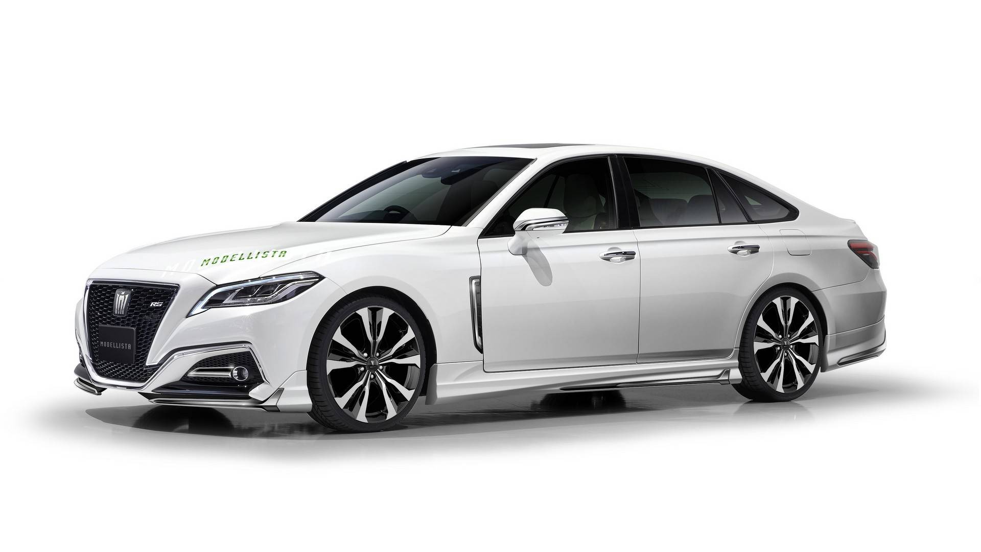 2018 toyota crown modellista is all show but no go autoevolution