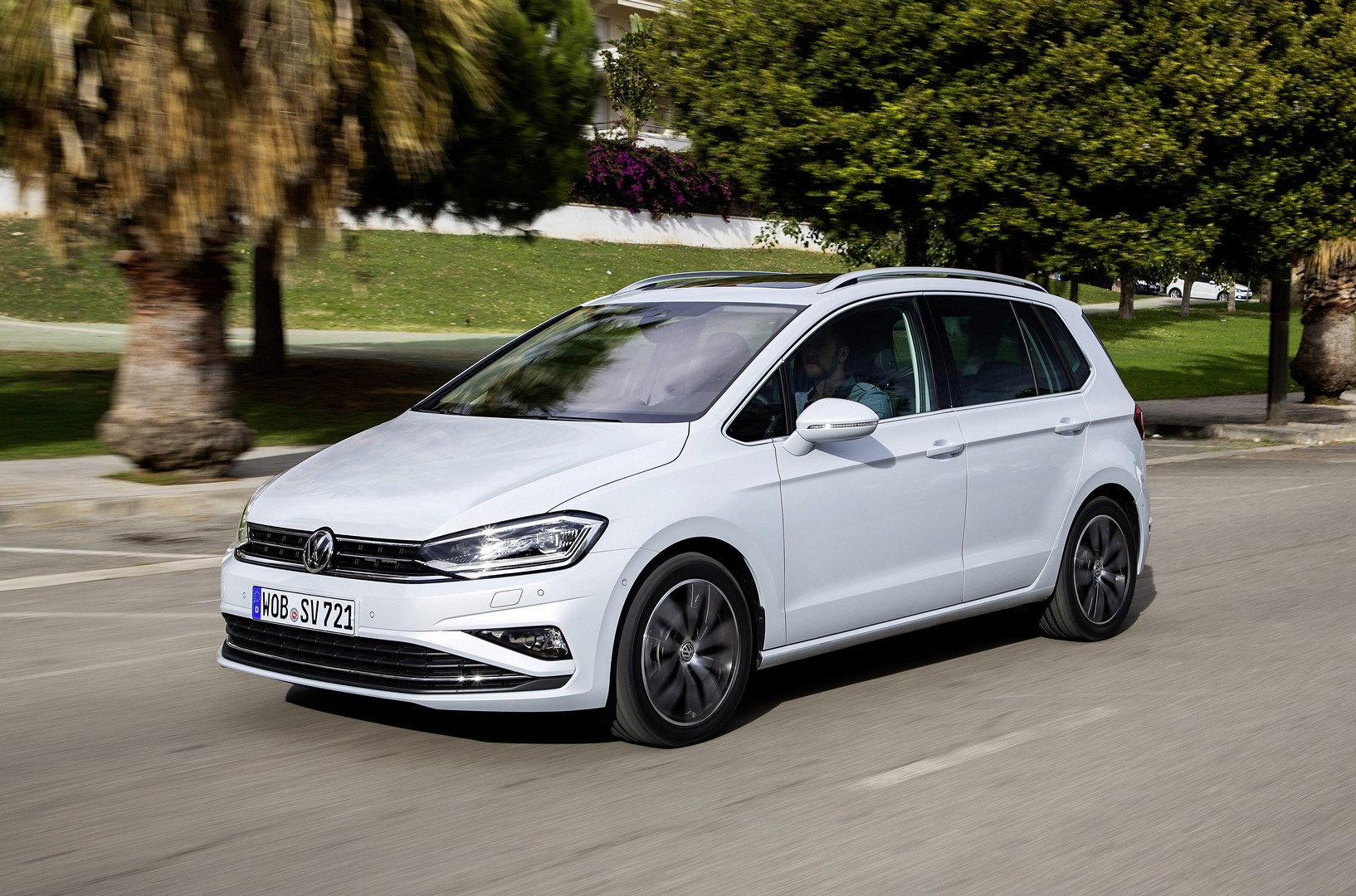 2018 Volkswagen Golf Sportsvan Shows