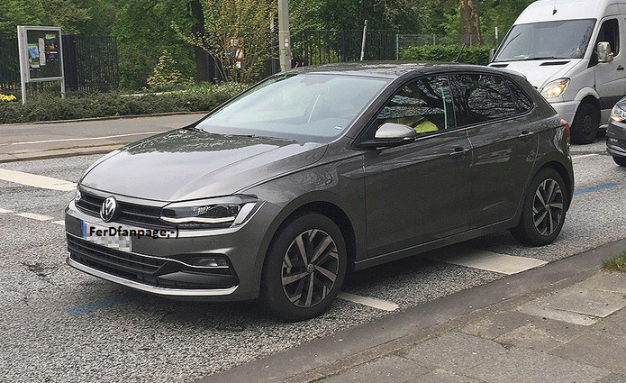 2018 volkswagen polo spied undisguised again autoevolution. Black Bedroom Furniture Sets. Home Design Ideas
