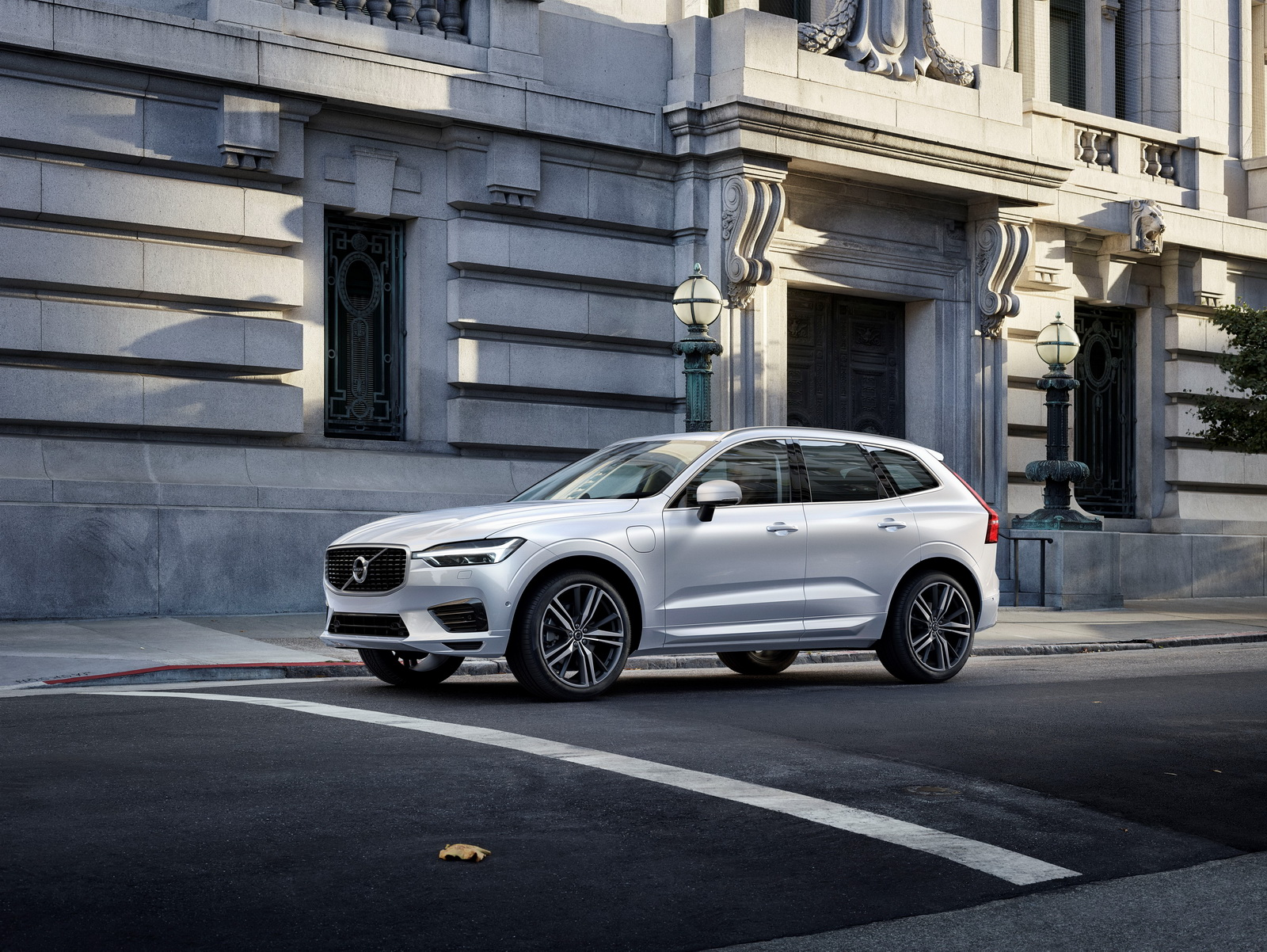 Geneva 2017: Volvo reveals all-new XC60 SUV
