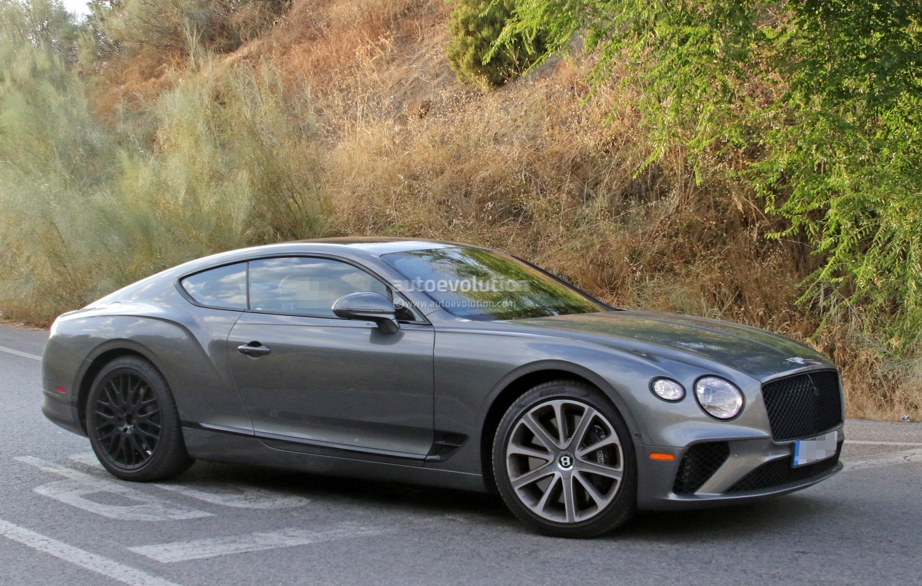 2019 Bentley Continental Gt Speed Spied With Black Grille Exterior Trim Autoevolution