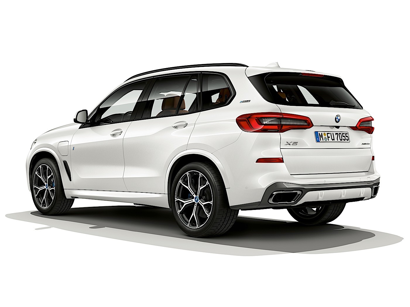 2019 bmw x5 iperformance plug in hybrid comes with 50. Black Bedroom Furniture Sets. Home Design Ideas