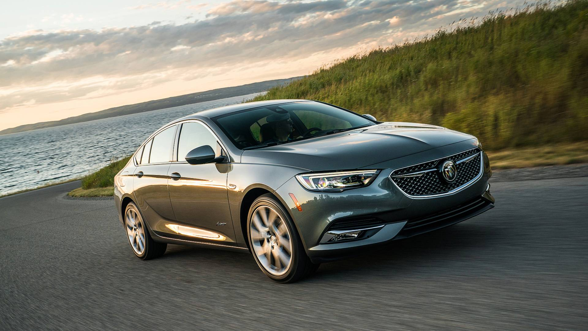 2019 Buick Regal Avenir Priced at $36,195 - autoevolution