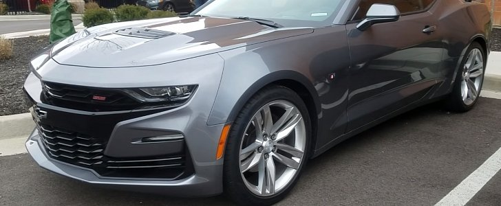 2019 Chevrolet Camaro Ss Doesn T Look Good In Walkaround Video Either Autoevolution