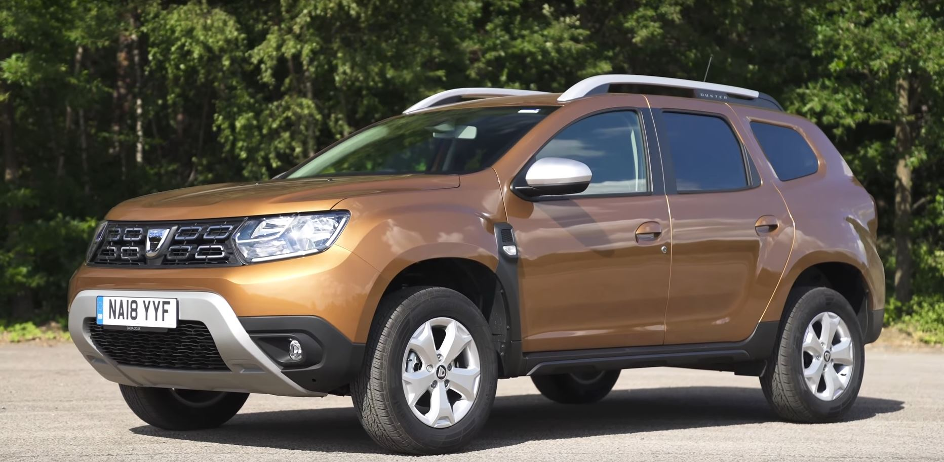 2019 Dacia Duster UK Review Says Renault Kadjar Is a Better Choice ... 499b2d7fdeb5