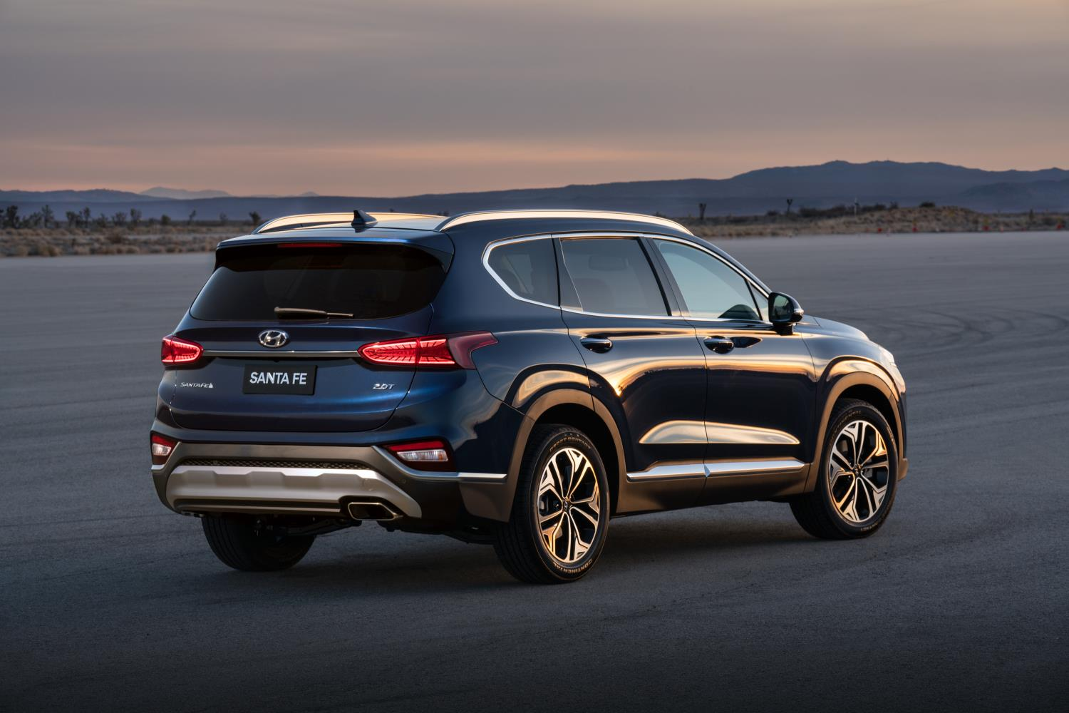 2019 hyundai santa fe priced from 25 500 autoevolution. Black Bedroom Furniture Sets. Home Design Ideas