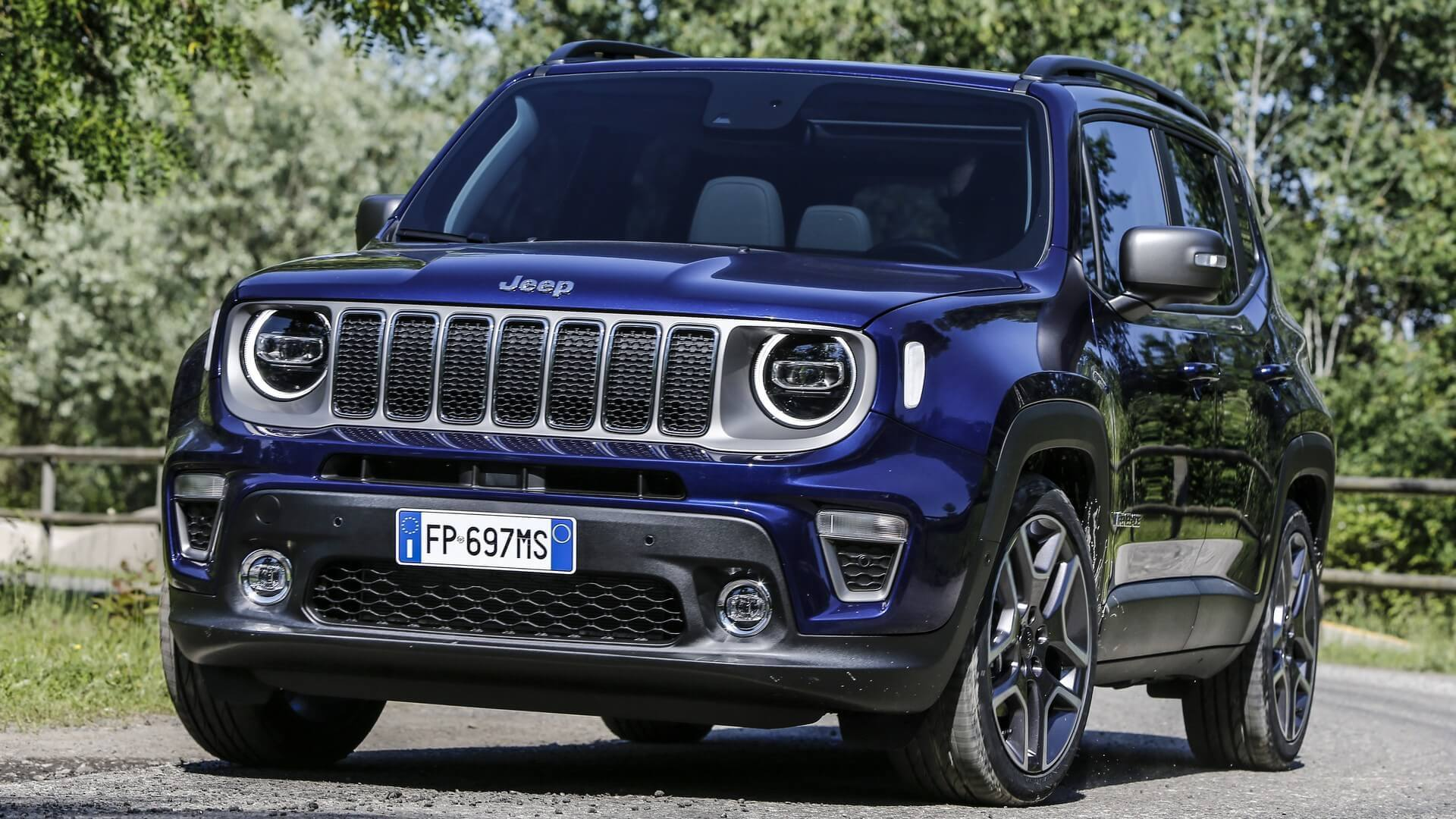 2019 Jeep Renegade Shows Facelifted Face In Turin Autoevolution