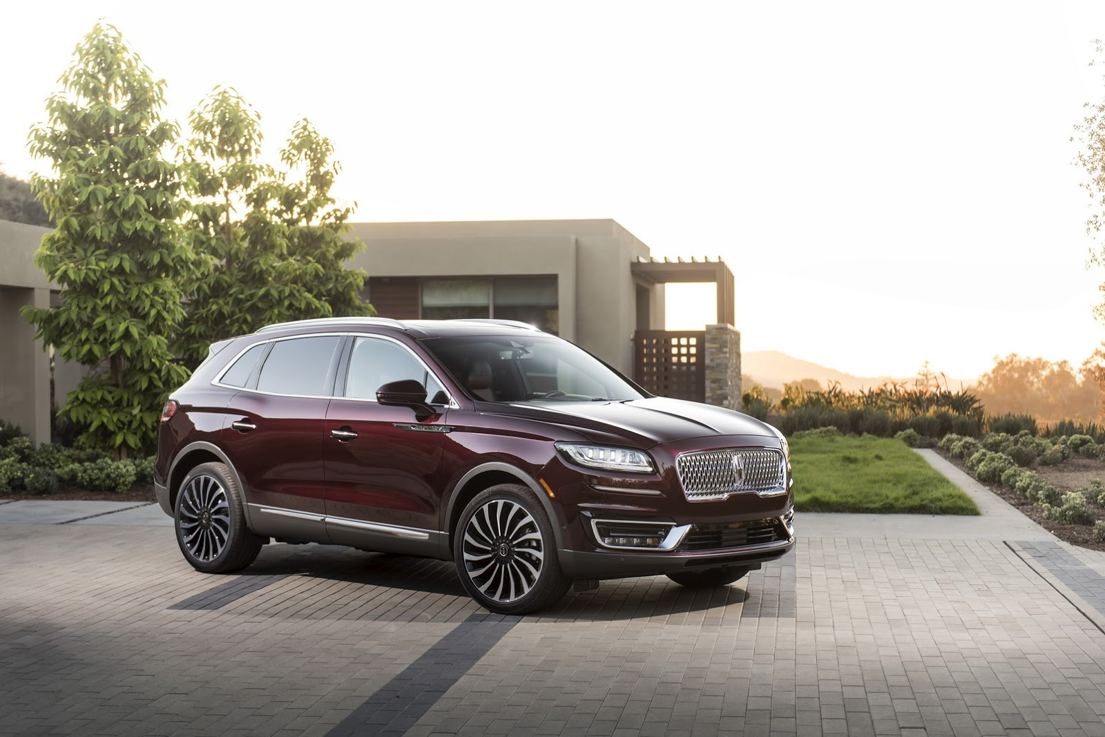 Lincoln Nautilus First Look: MKX Replacement Gets New Name