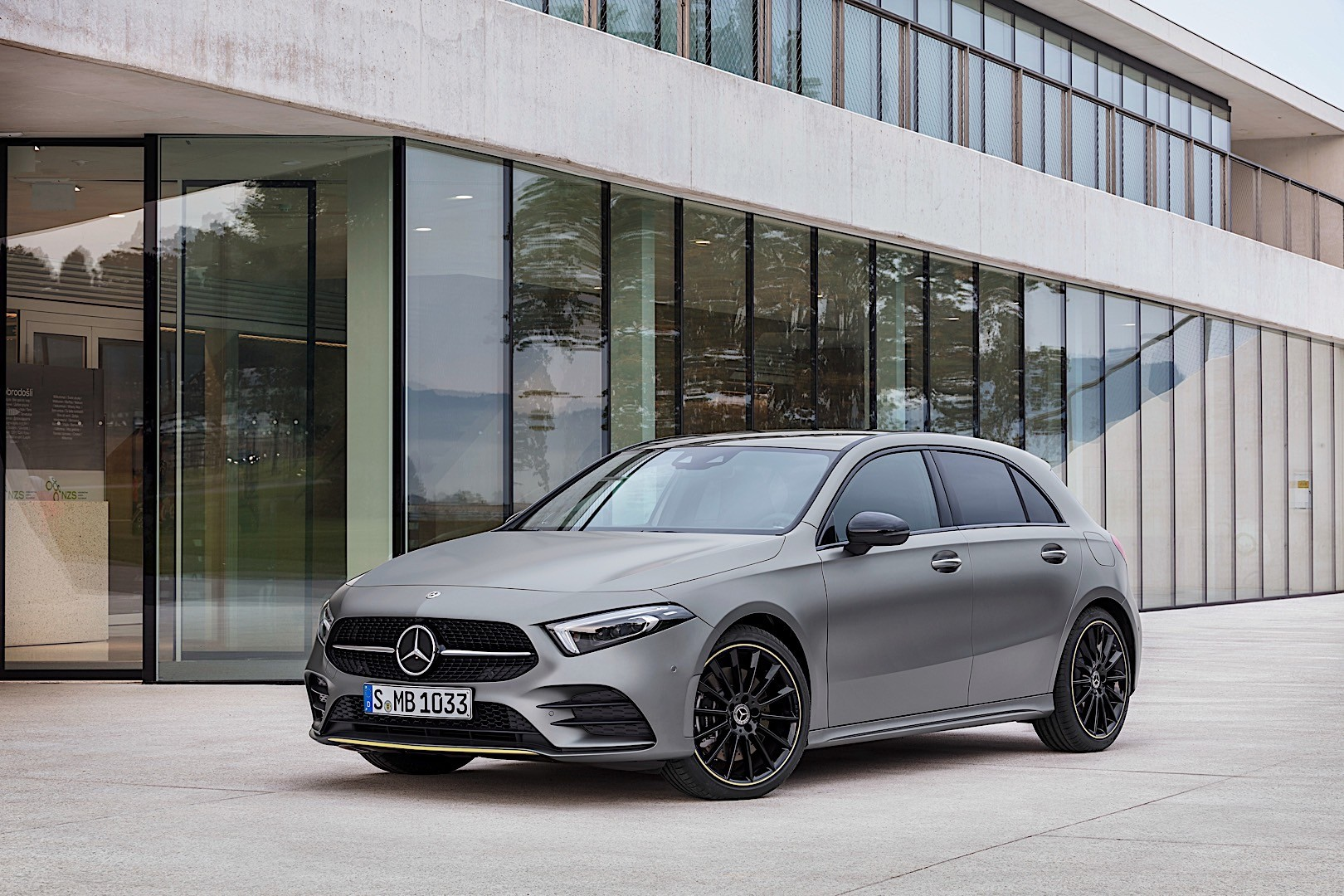 2019 mercedes benz a 200 and a 220 d getting 2 0 liter diesel this year autoevolution. Black Bedroom Furniture Sets. Home Design Ideas