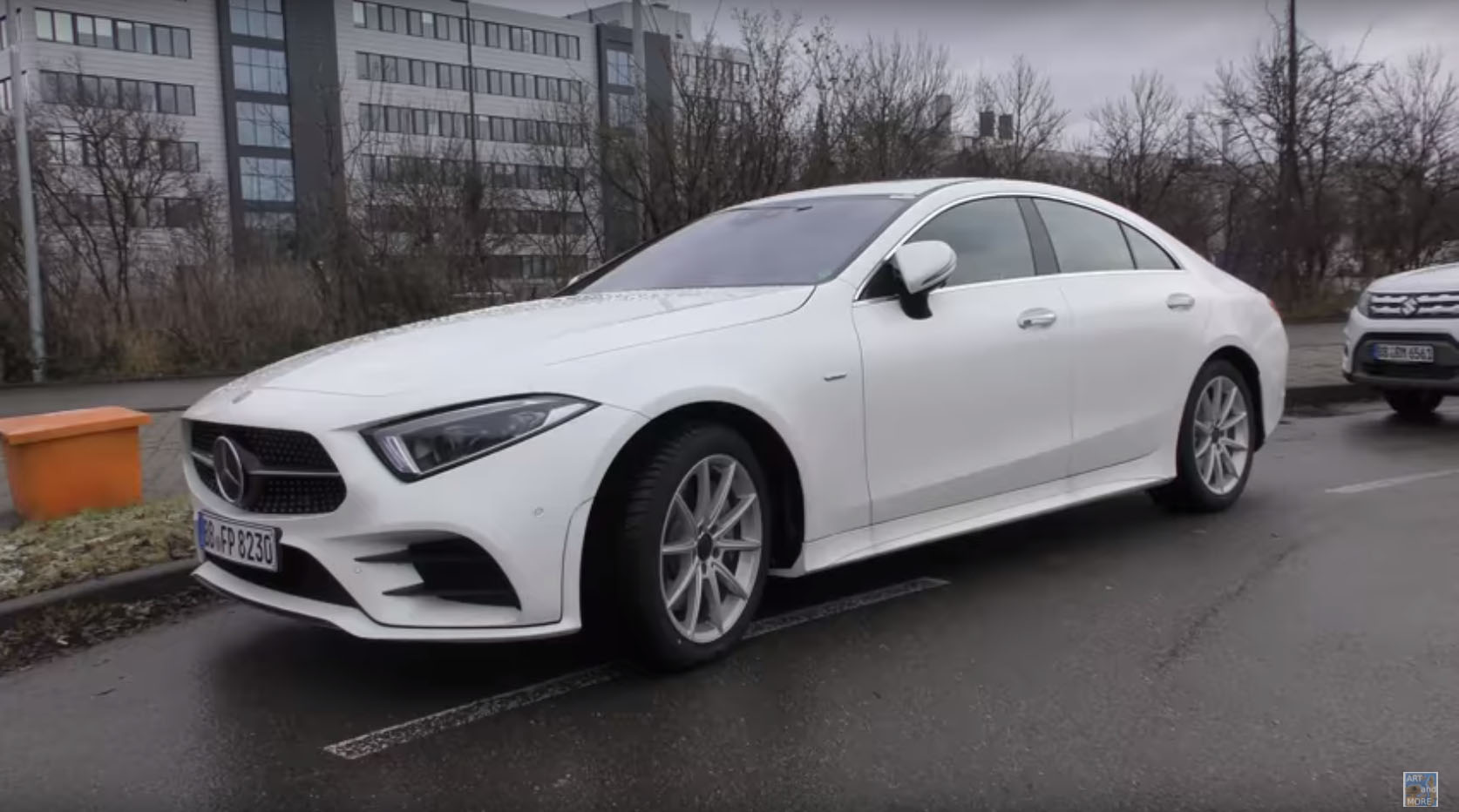 2018 mercedes benz cls 350 looks underwhelming in white autoevolution. Black Bedroom Furniture Sets. Home Design Ideas