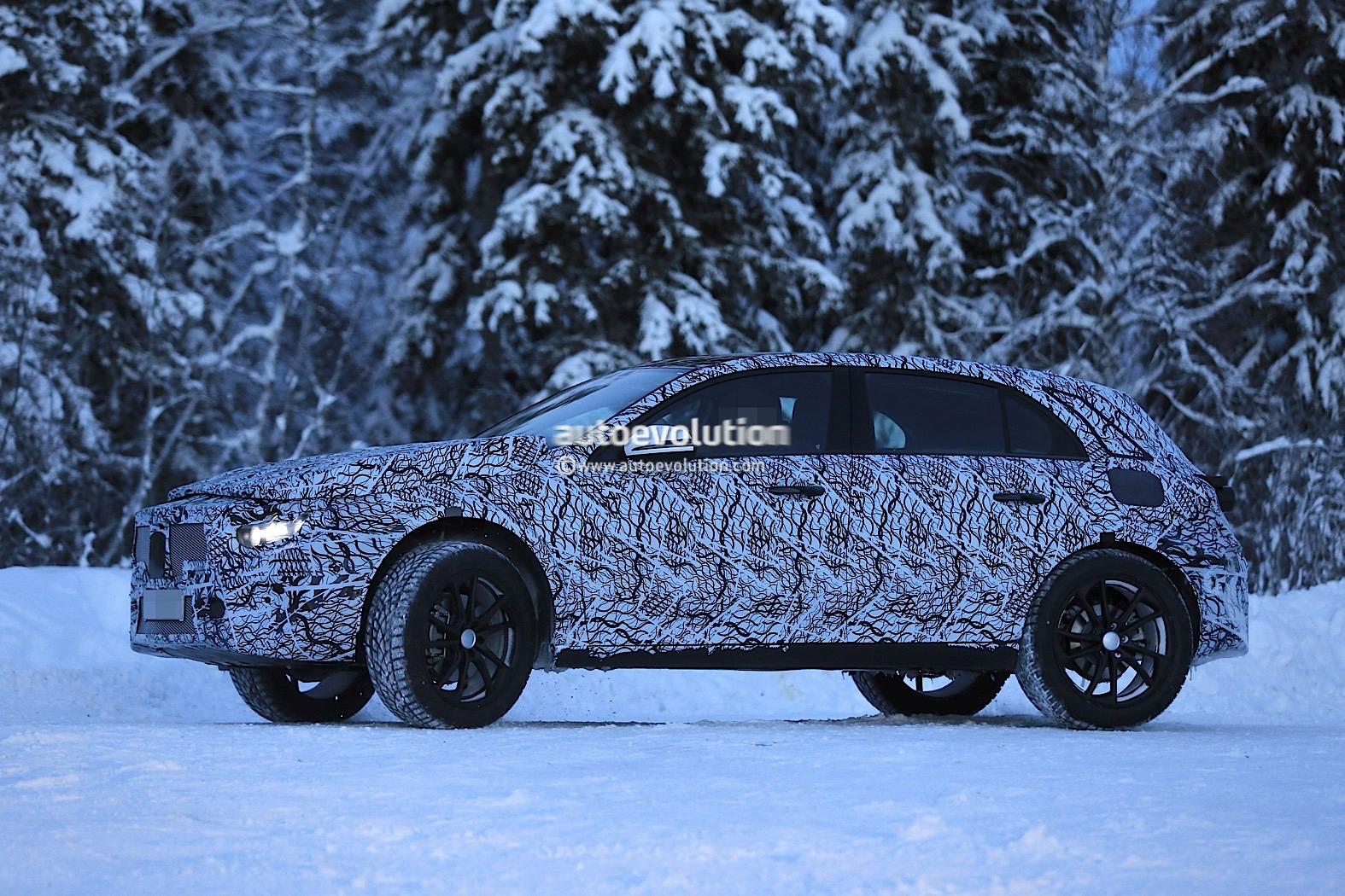 2020 Mercedes Benz Gla Mule Starts Testing As An A Class On Stilts