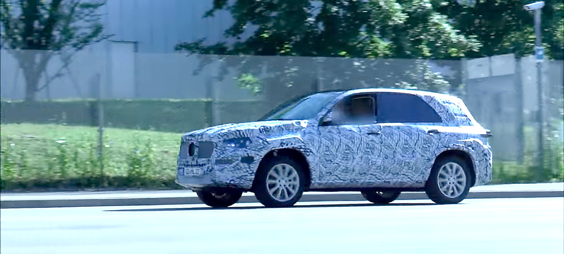 2019 mercedes benz gle spied on german roads looking much for Mercedes benz gle 2019
