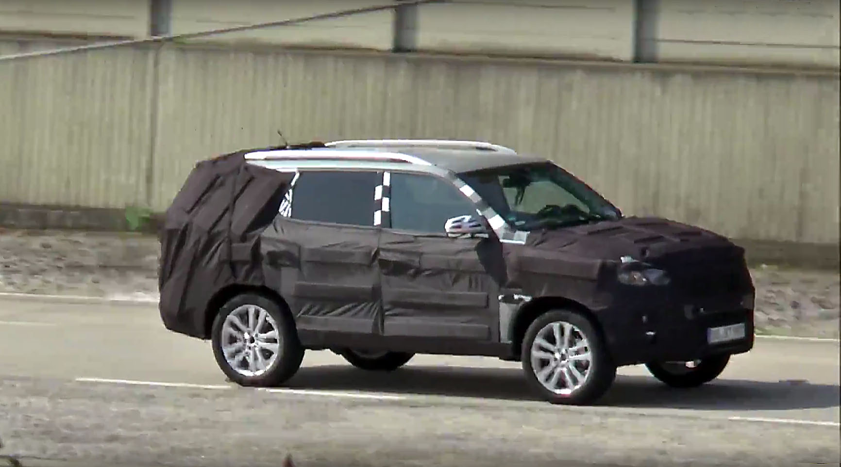 update 2019 mercedes benz gls spotted for the first time