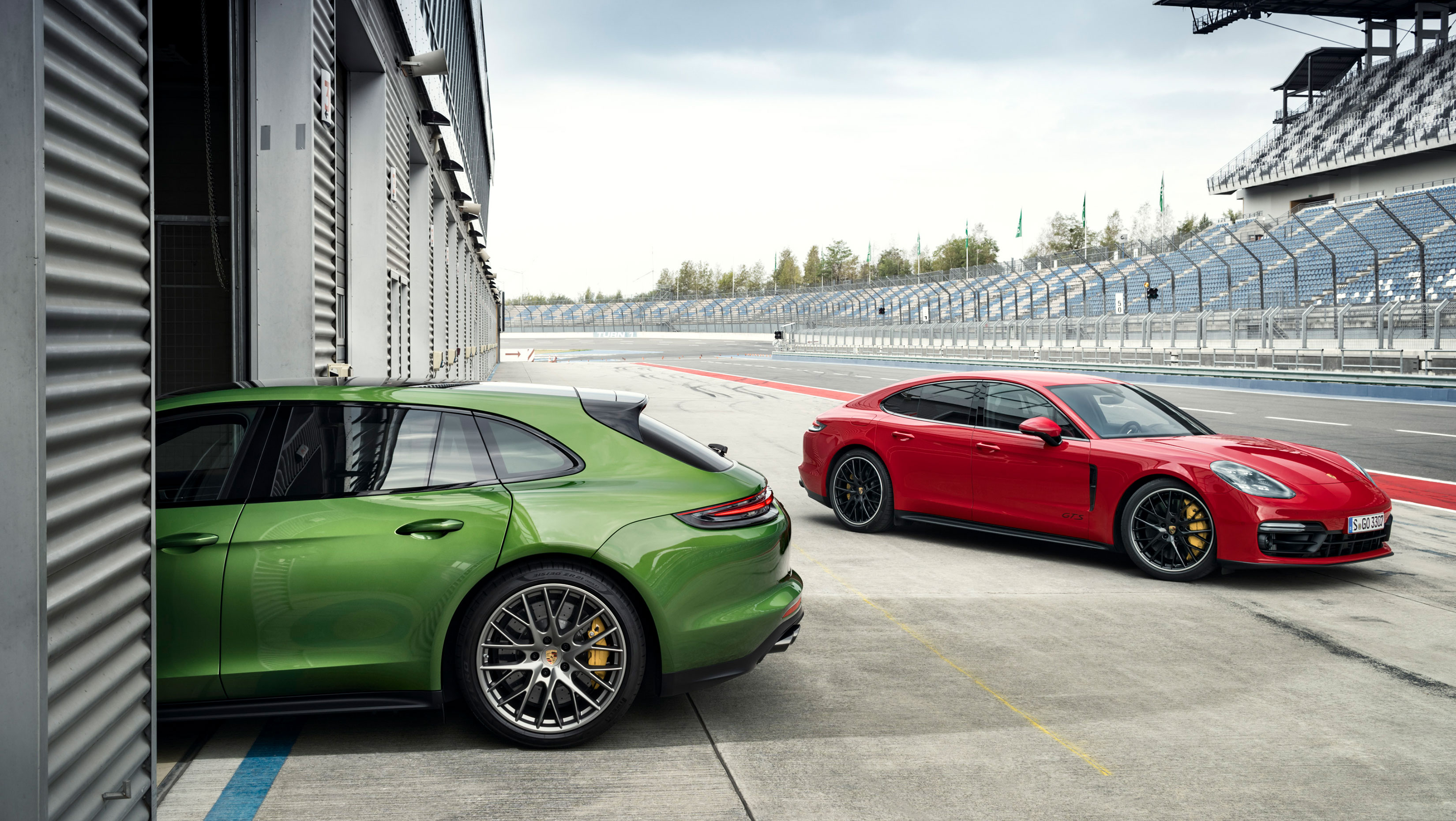 Meet the new sweet spot: 2019 Porsche Panamera GTS debuts