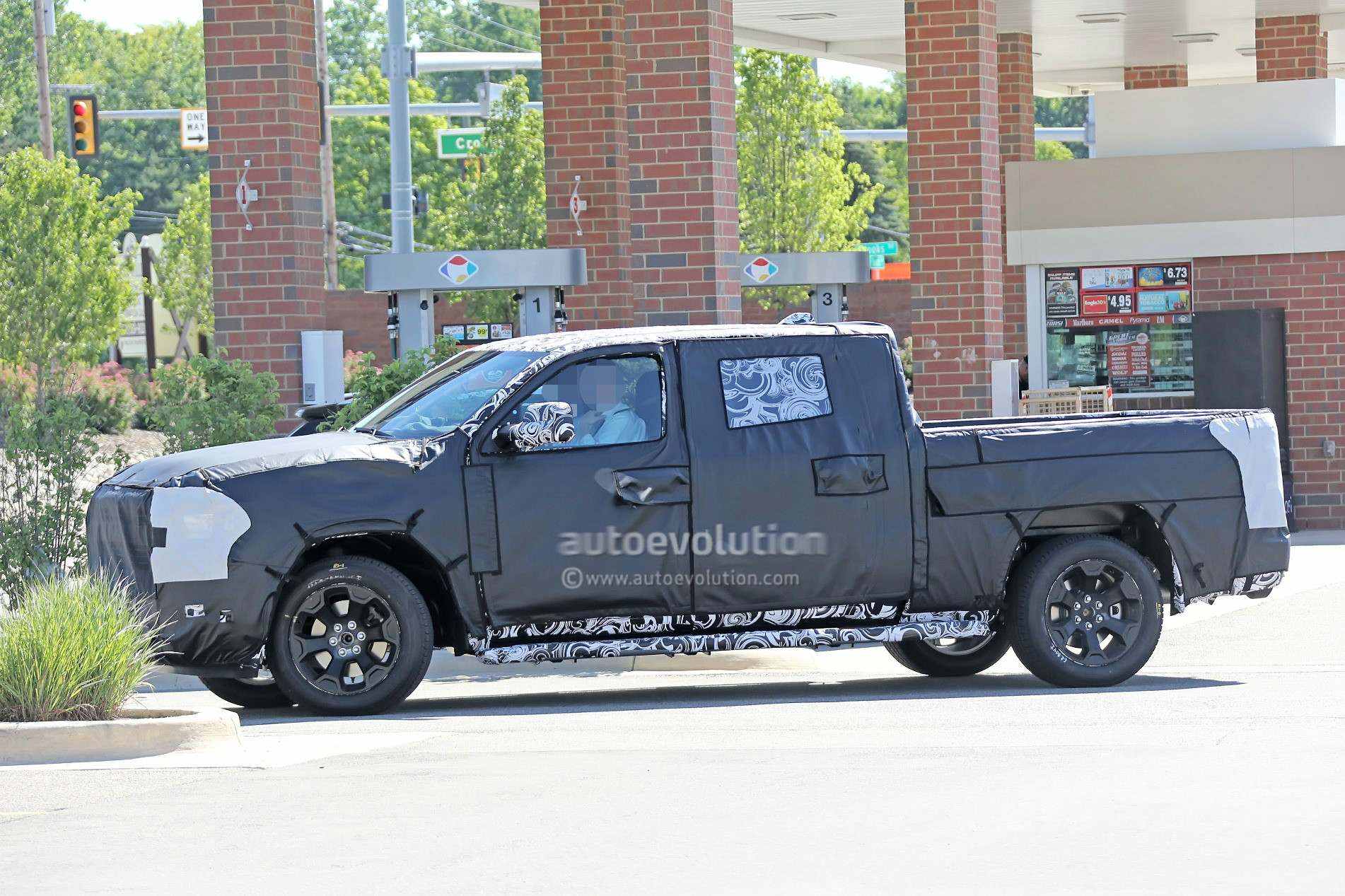 2019 ram spied 1500 mega cab seems more massive than ever autoevolution. Black Bedroom Furniture Sets. Home Design Ideas