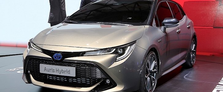 2019 toyota auris shows up in style in geneva to stir the compact hatch segment autoevolution. Black Bedroom Furniture Sets. Home Design Ideas