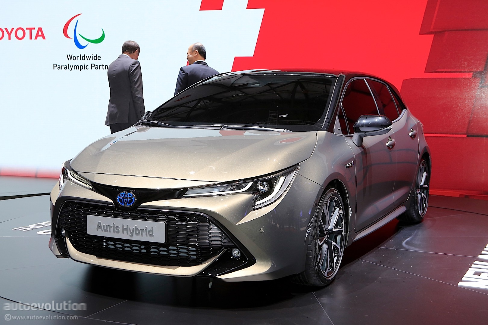 2019 toyota auris shows up in style in geneva to stir the. Black Bedroom Furniture Sets. Home Design Ideas