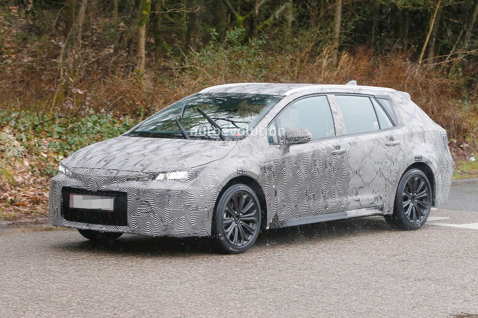 2019 Toyota Auris Wagon Makes Spyshots Debut Looks Promising