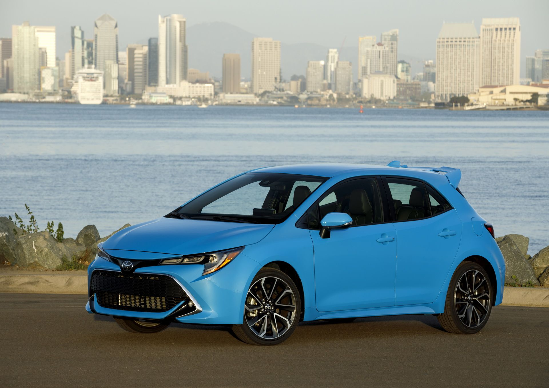 2019 Toyota Corolla Hatch Starts From Under 20 000 Does 42 Mpg