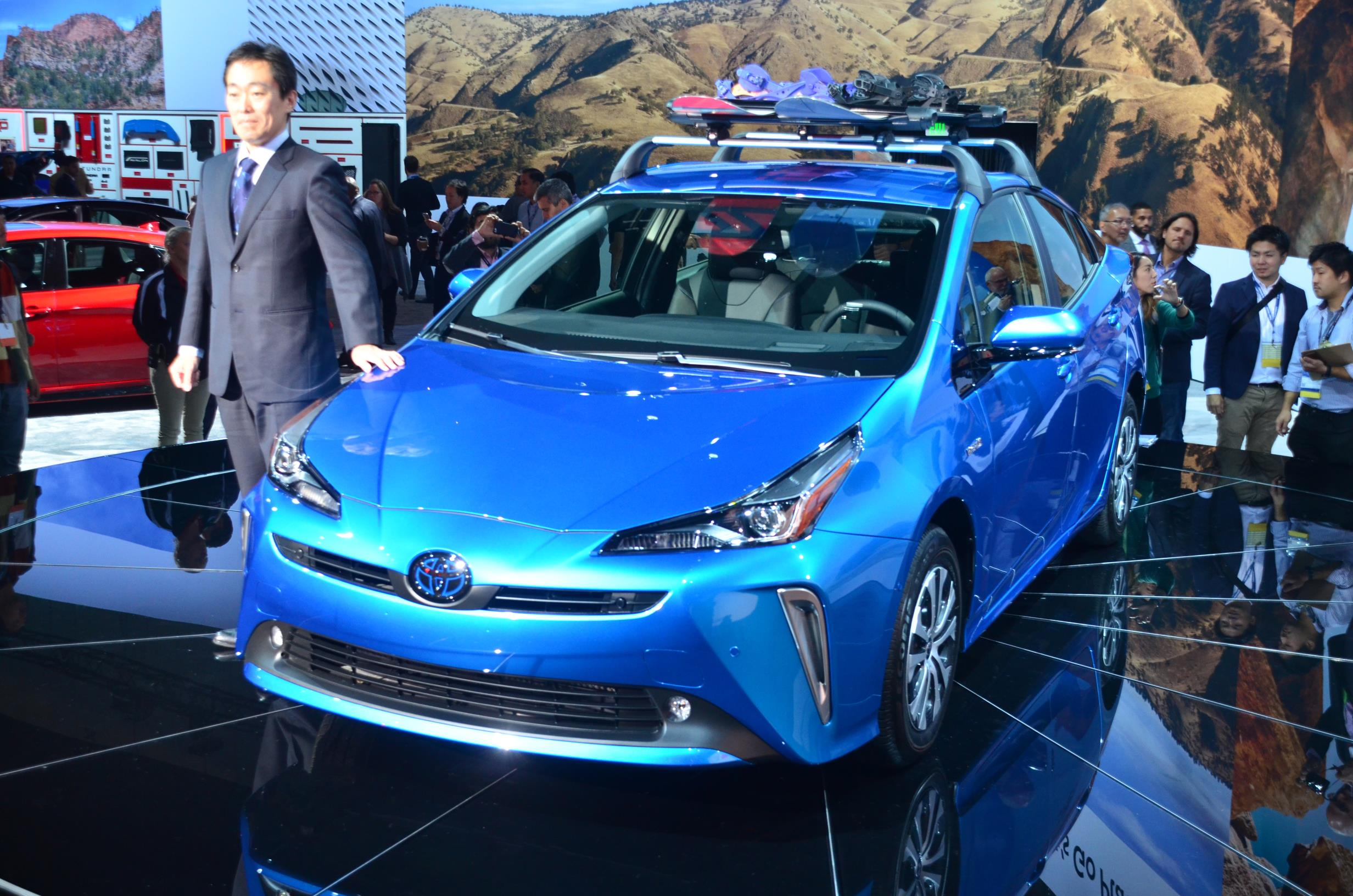 2019 Toyota Prius Shows New Face And 11 6 Inch Screen In Los Angeles
