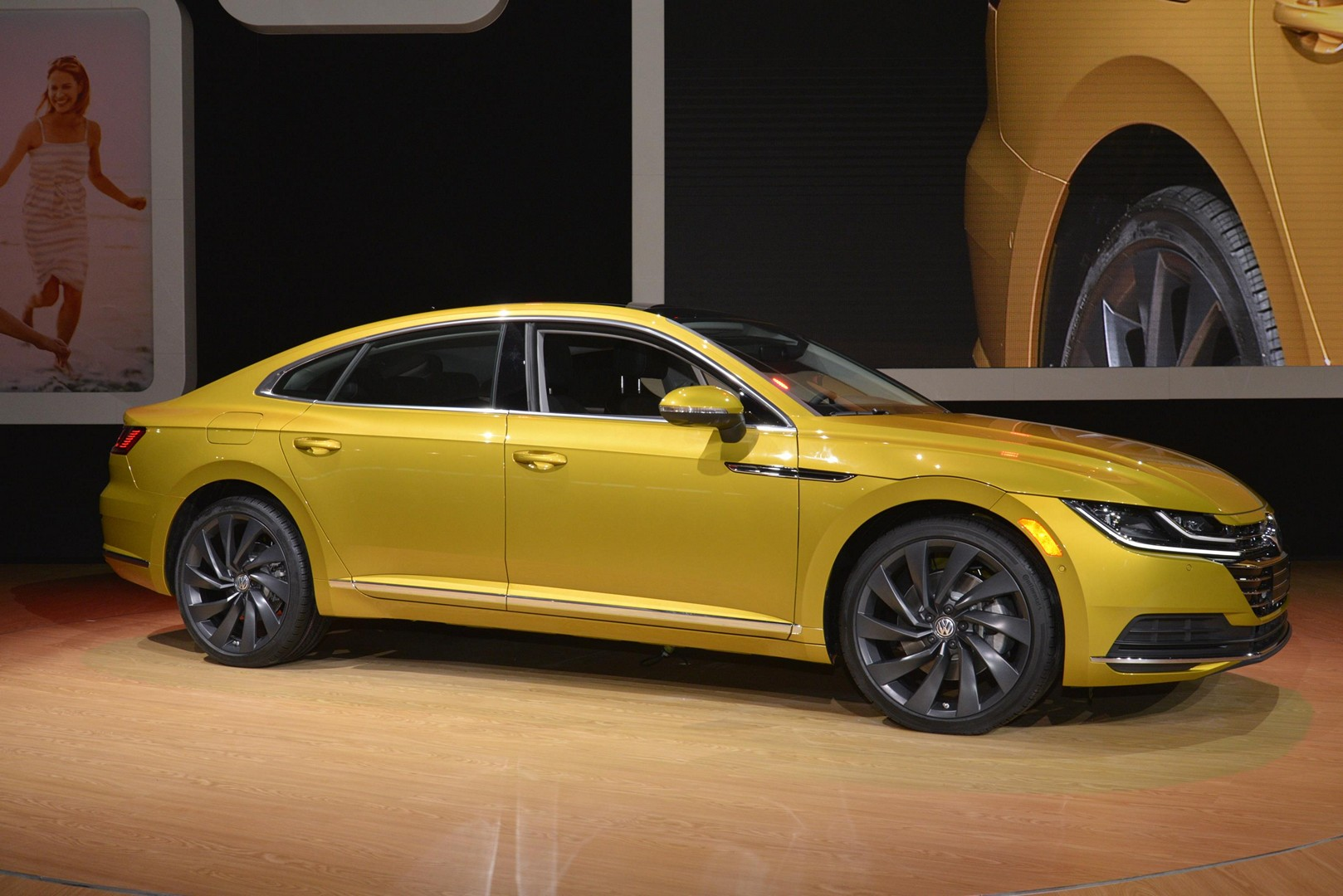 Volkswagen Arteon Makes US Debut in the Windy City