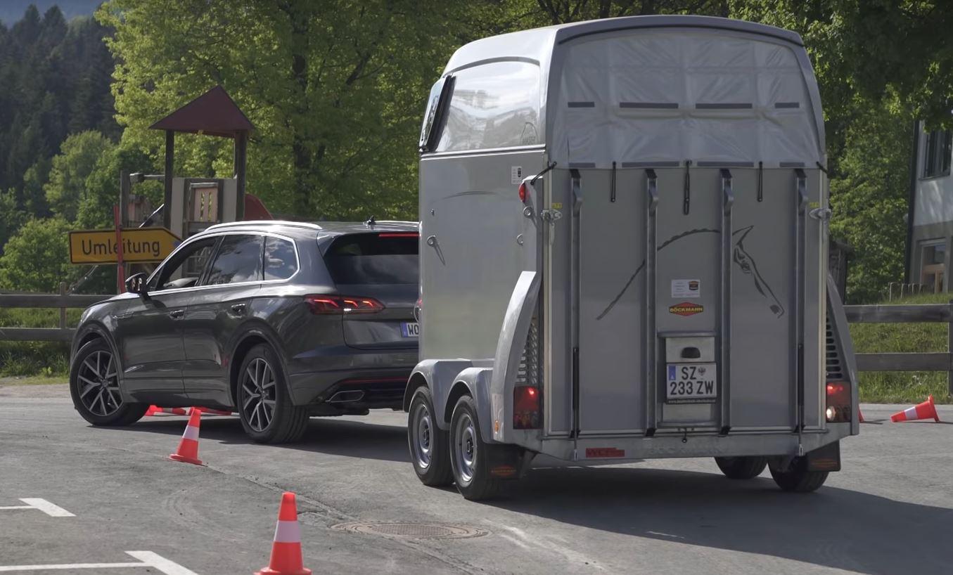 2019 VW Touareg: Larger, Lighter, Smarter, Agiler >> 2019 Vw Touareg Is A Half Price Bentley Bentayga That Will Tow A