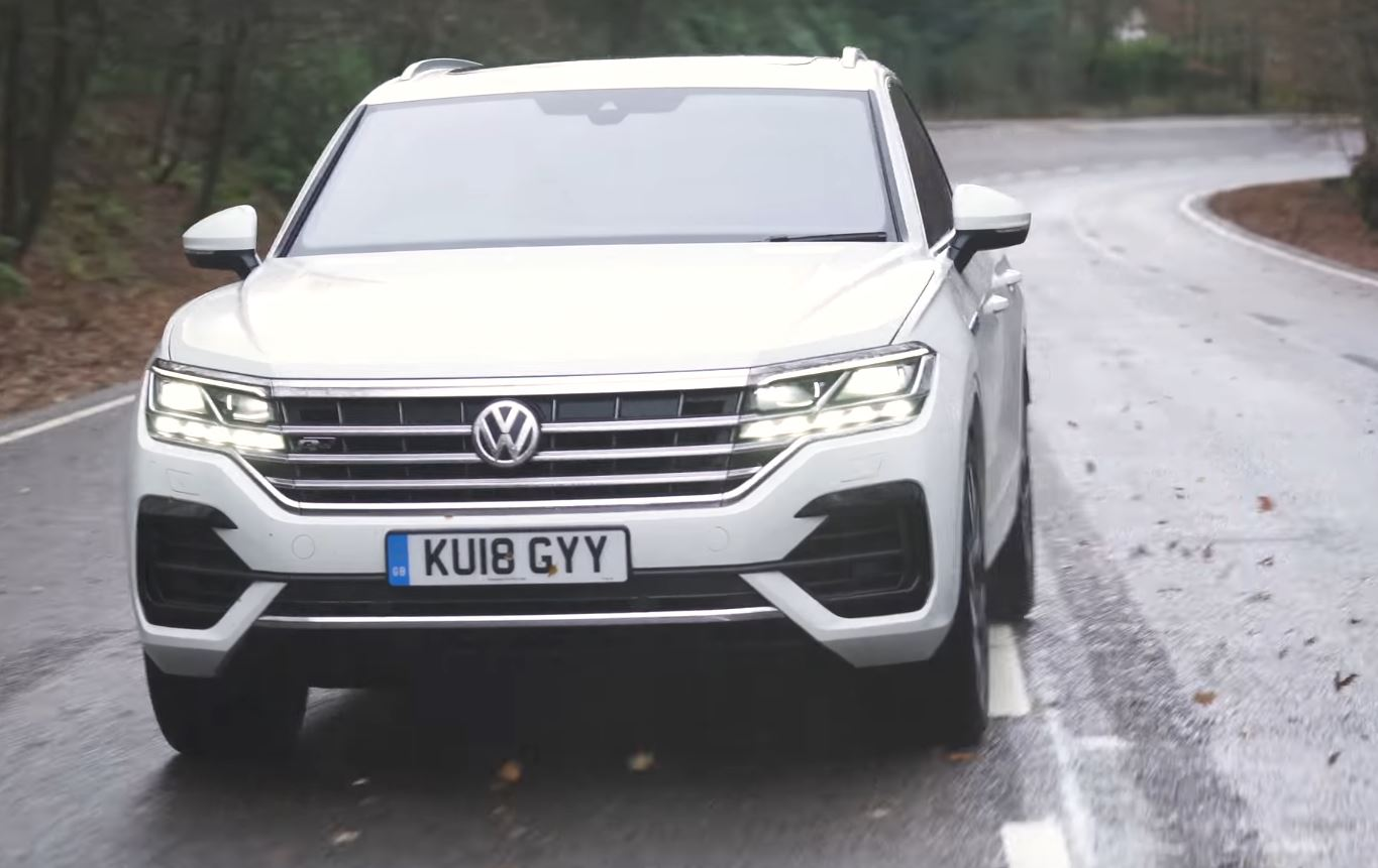 2019 Vw Touareg Uk Review Talks About Interior Quality Slow