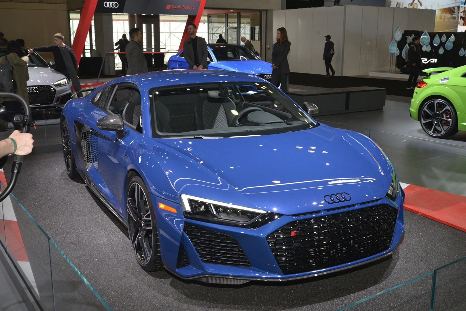 2020 audi r8 makes stateside debut with 602-hp, looks much
