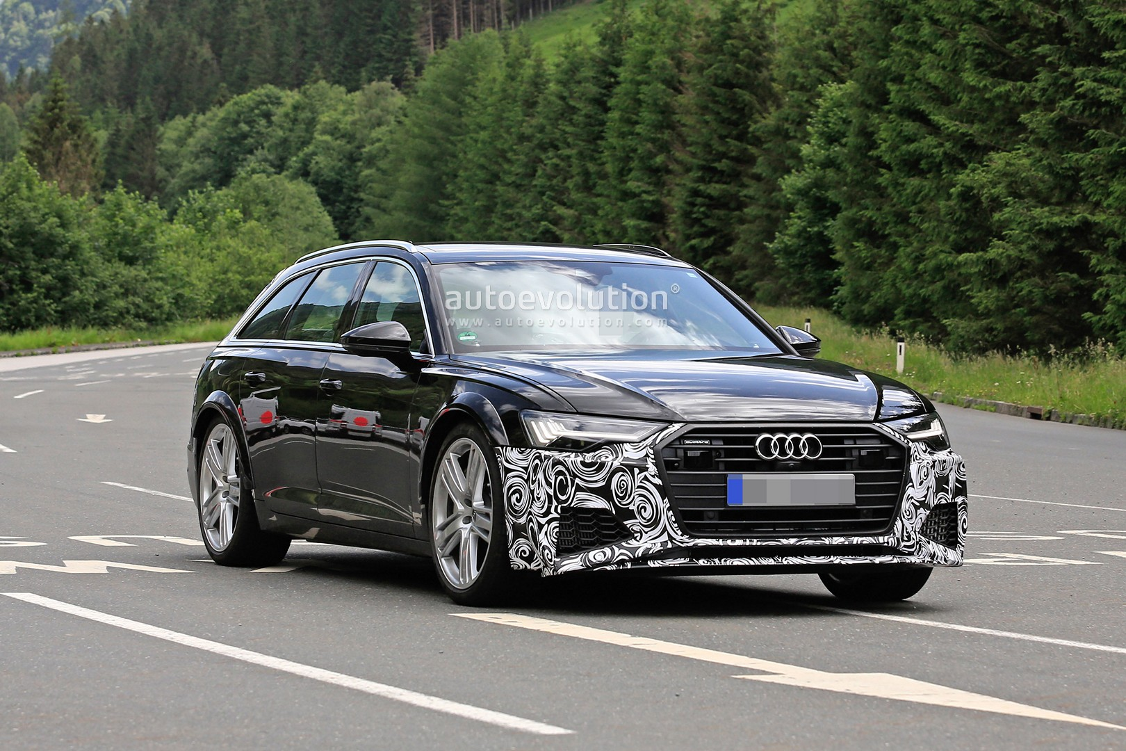 2020 Audi Rs6 Avant Makes Spy Photo Debut Autoevolution