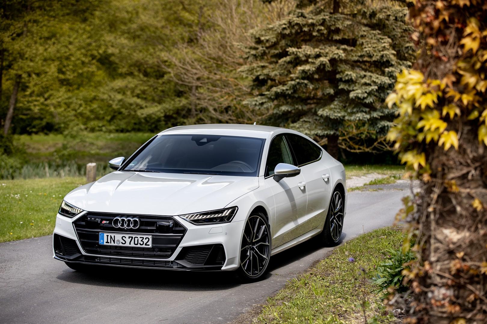 2020 Audi S7 Looks Stunning In Glacier White With Black Trim Autoevolution