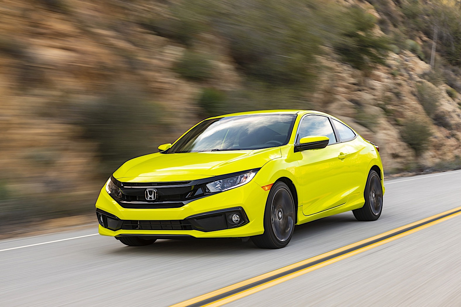 2020 Honda Civic Hits The Market With Minor Price Boost Brings Nothing New Autoevolution